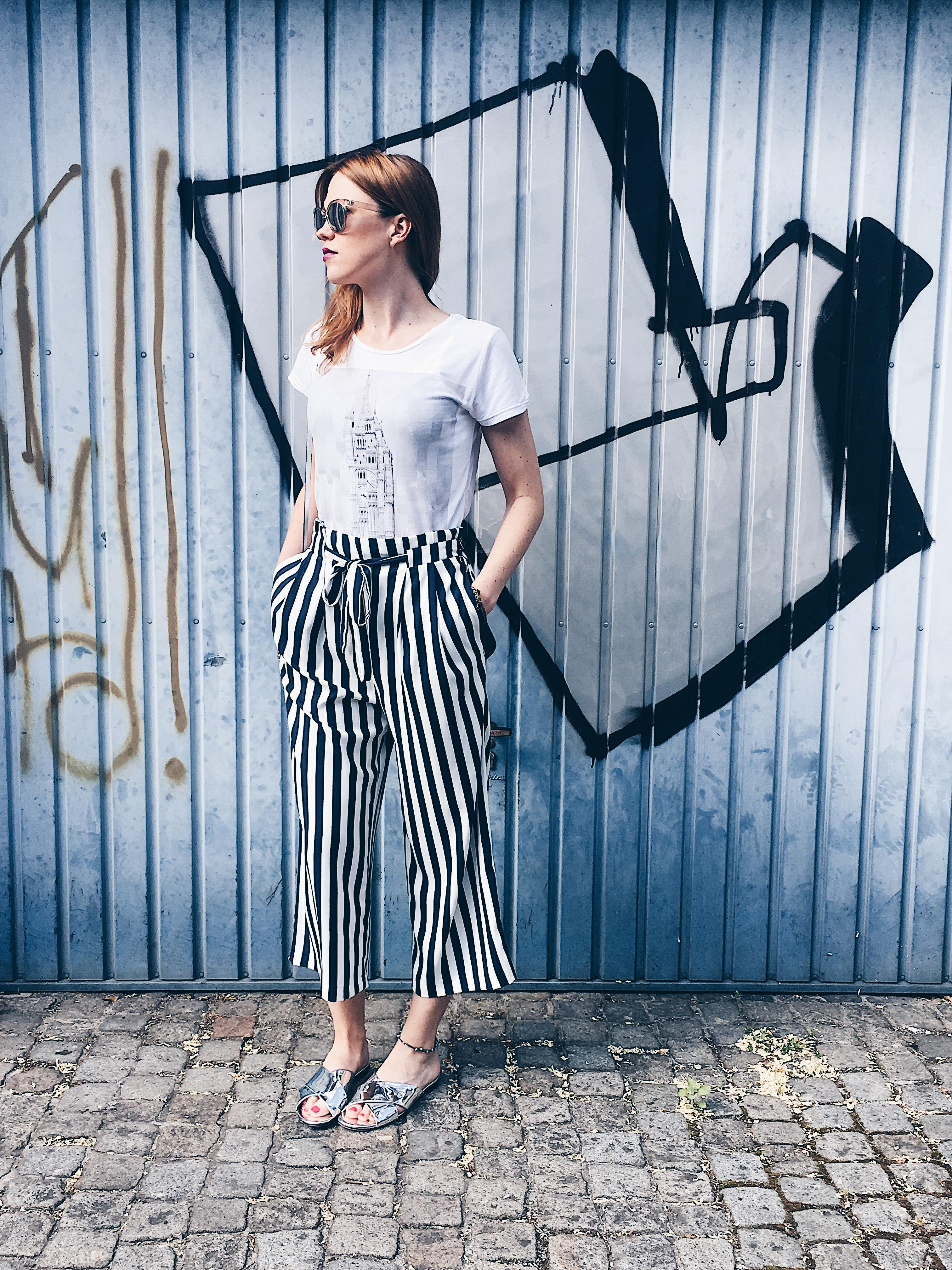 Streetstyle...💙 #outfitinspiration #ootd #fashion #stripes #casual #streetstyle