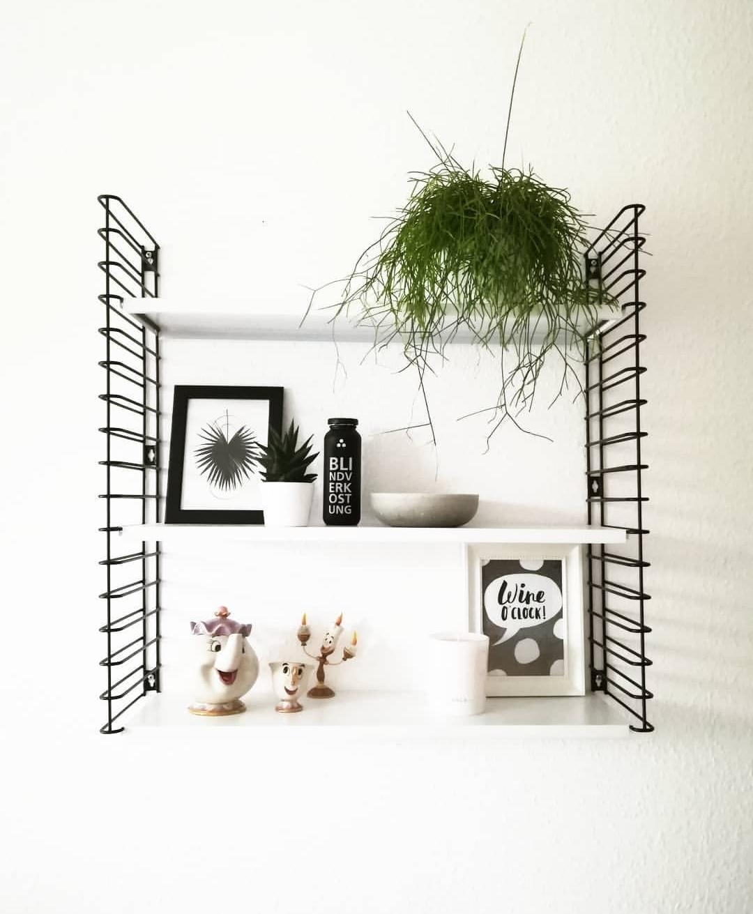 Stringshelf #disneydetails #whiteliving #blackinterior #blackandwhite #homestyle #wgzimmer