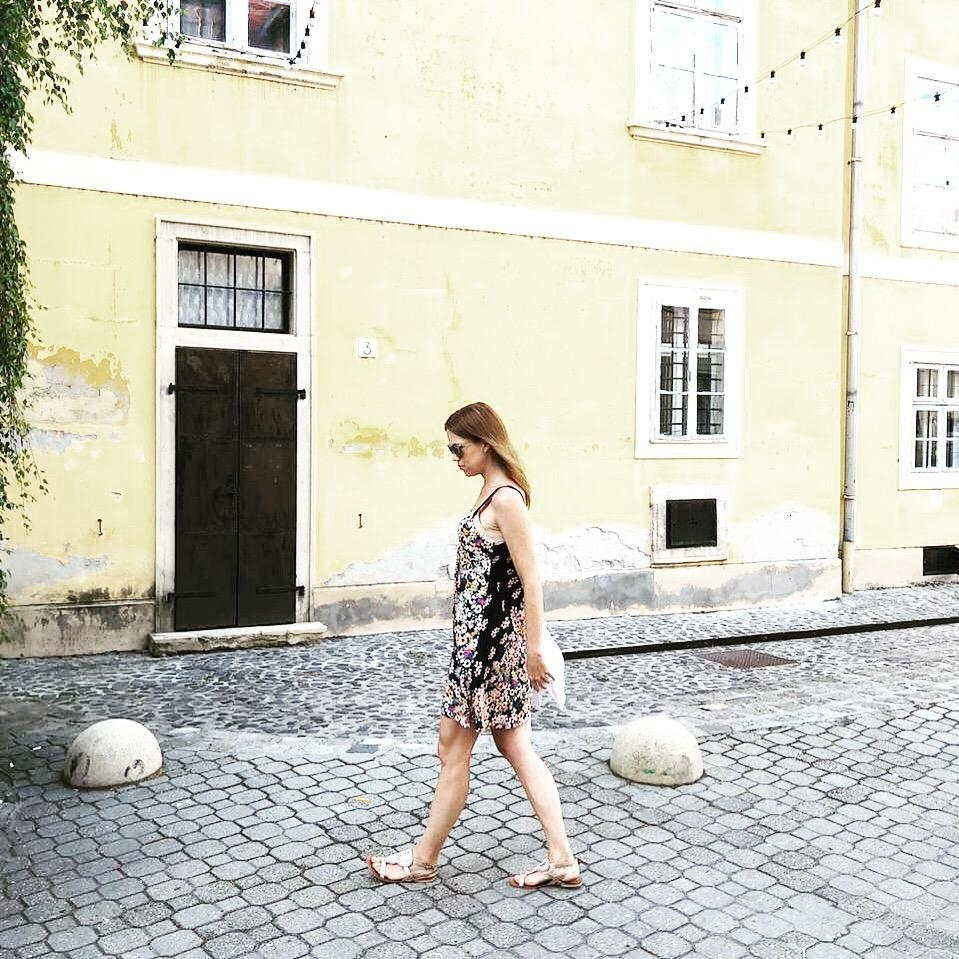Summerdays #blumenprint #citylook #Summerdress #flowerdress #ootd #fashioncrush