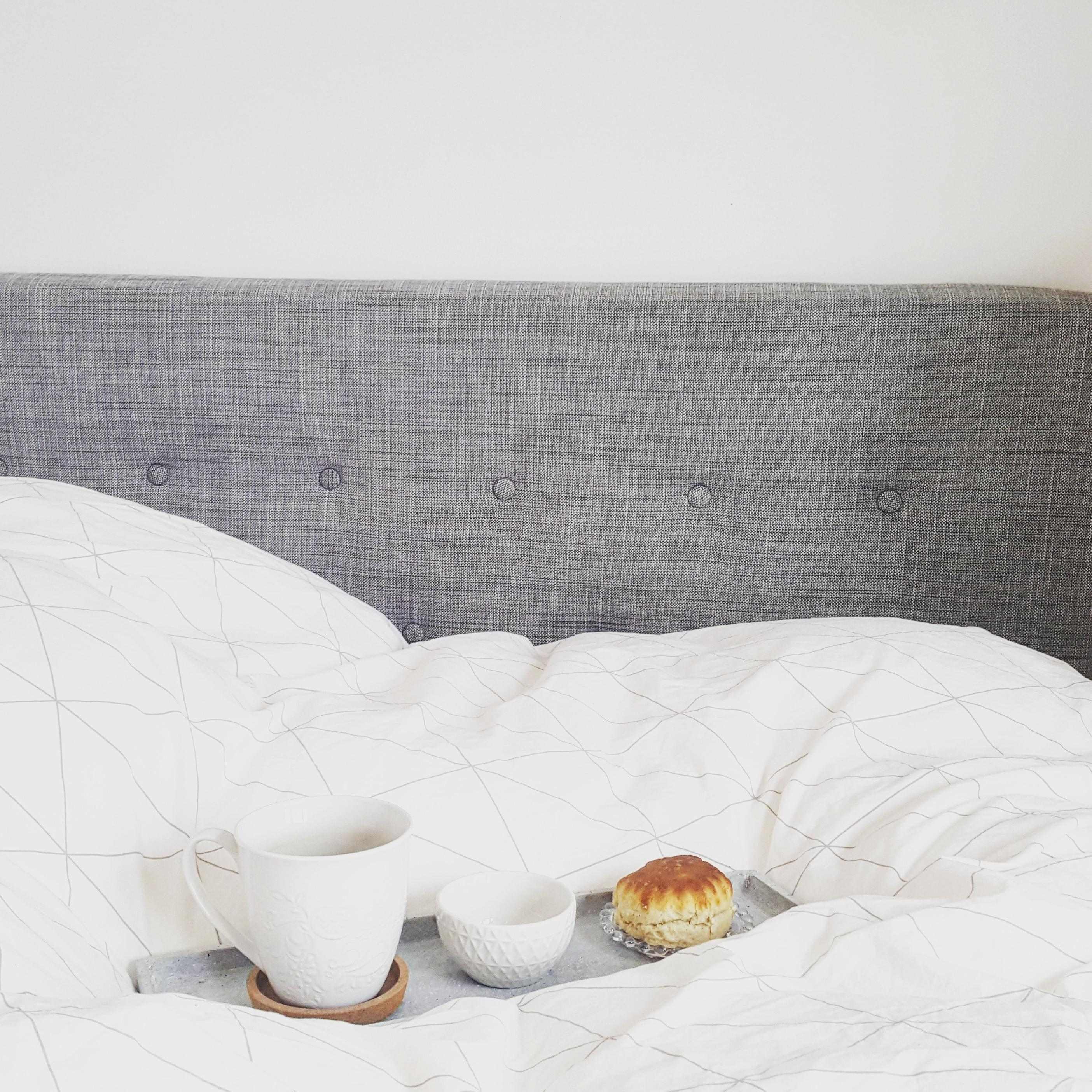 Sundays are for breakfast in bed #schlafzimmer #bedroom #boxspring #meinikea