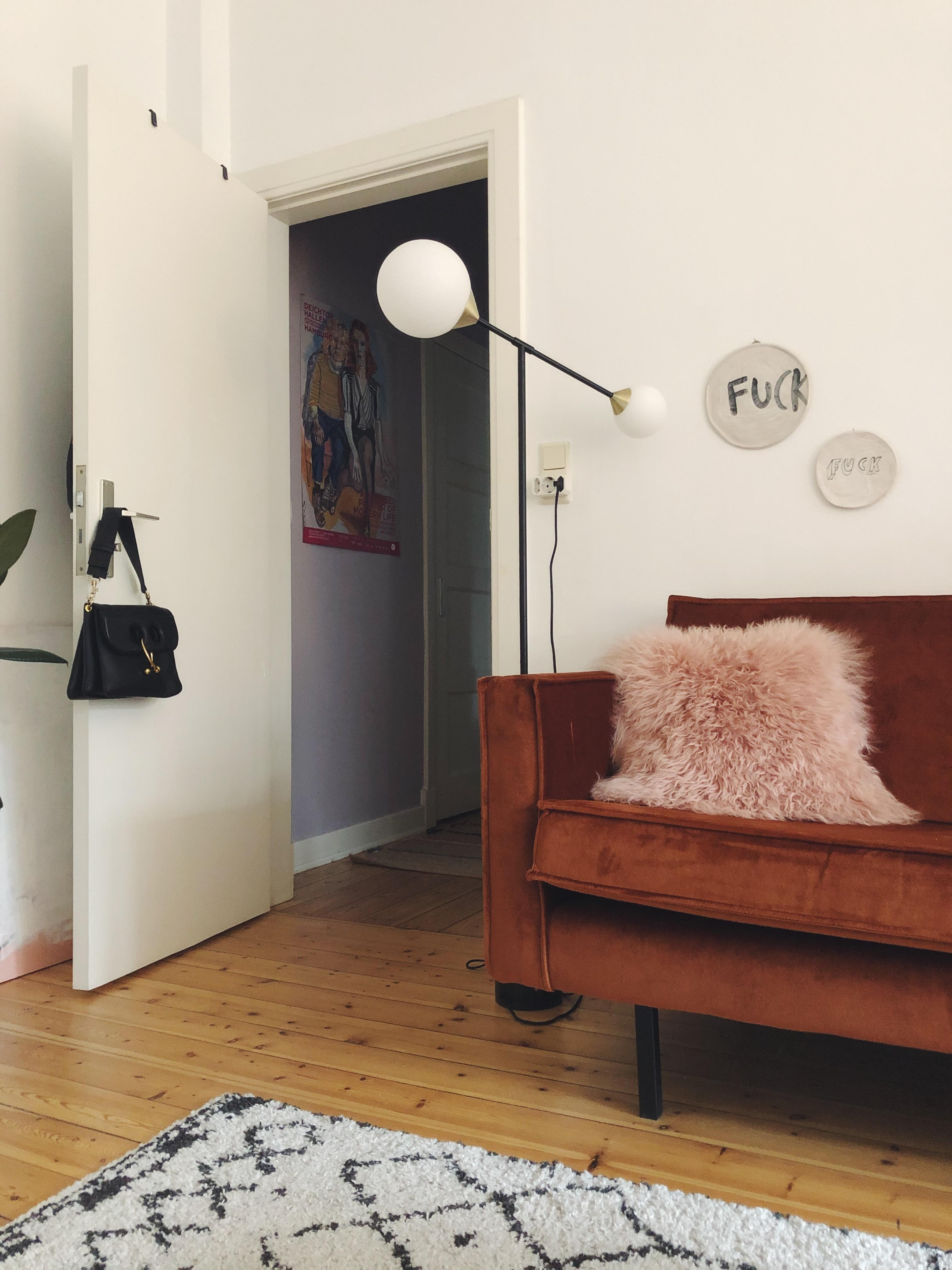 sundays at home ✨ #samtsofa #hamburg #hh #altbau