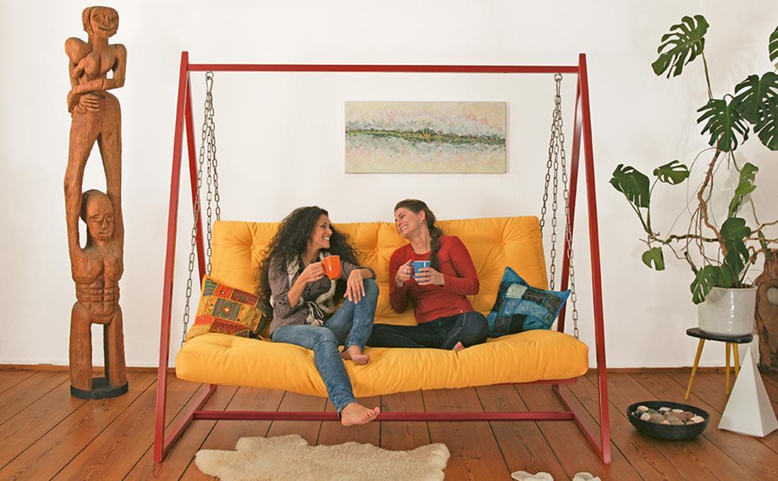 Swing Sofa Schaukelsofa Hängesofa #schlafsofa #sofa #designersofa  ©mobiliar+design Berlin