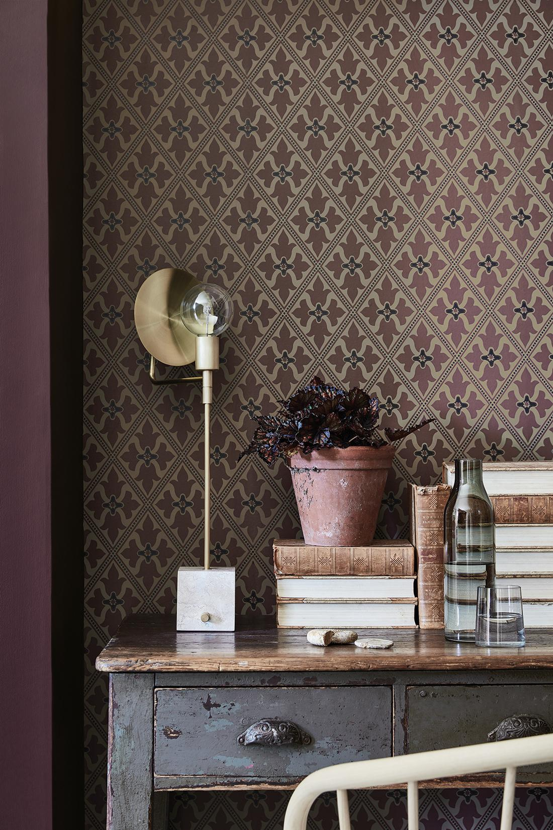 "Tapete ""Bayham Abbey"" #tischlampe #mustertapete ©Little Greene"