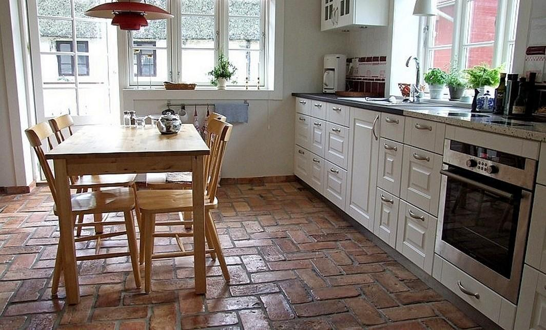 Terrakotta Fliesen In Der Küche #ziegelboden ©Buntes Mexiko