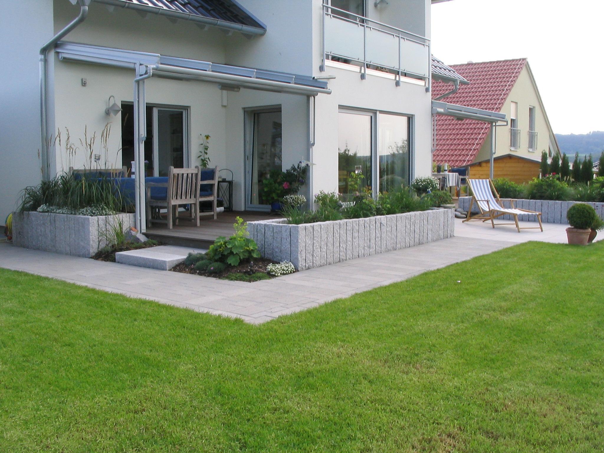 Terrassenanlage Terrasse Naturstein Granit Holzt