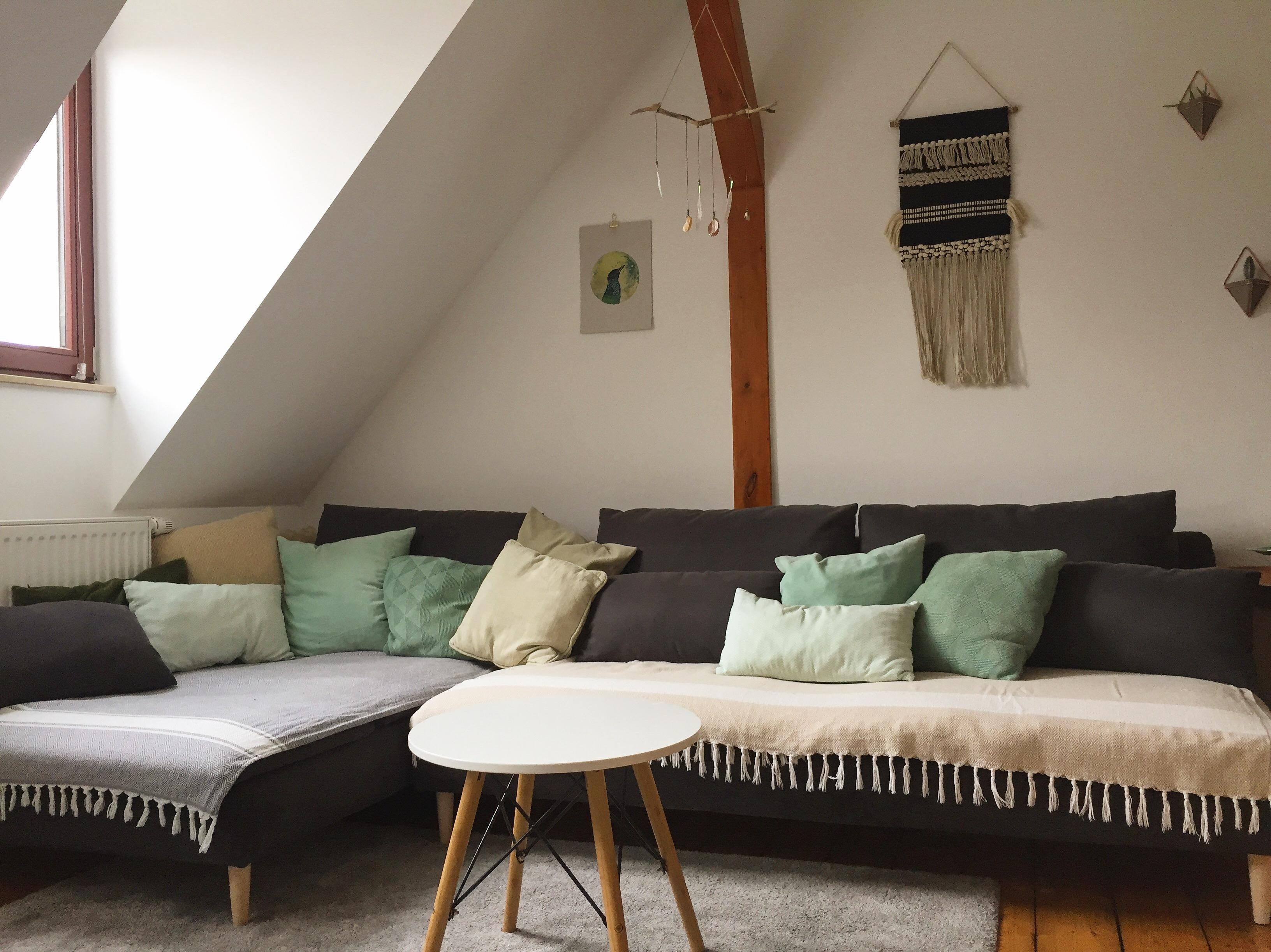 The heart and art of #coziness #cozyhome #couchliebt