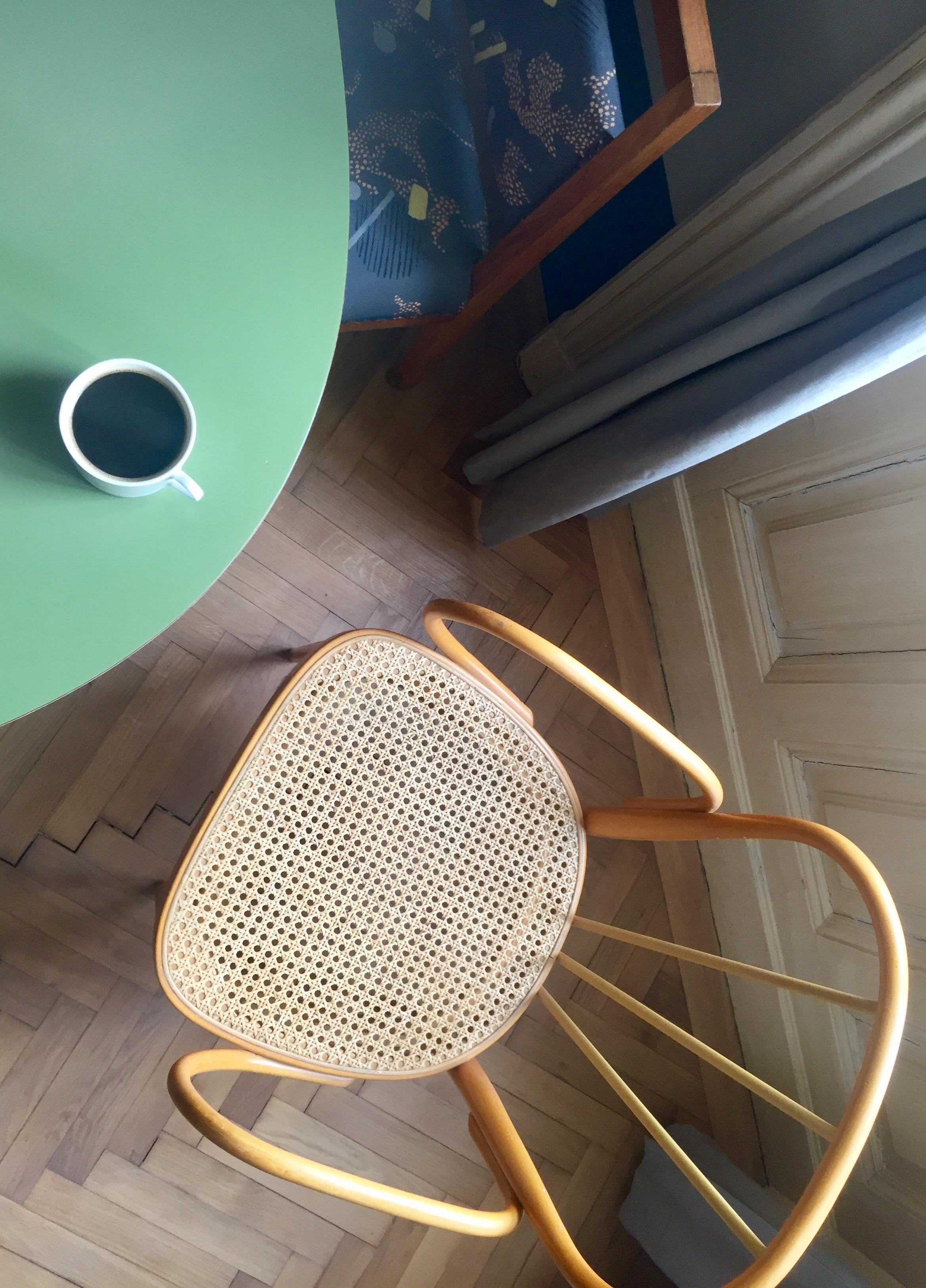 Thonet & Coffee #vintageliebe #budapest #goodmorning