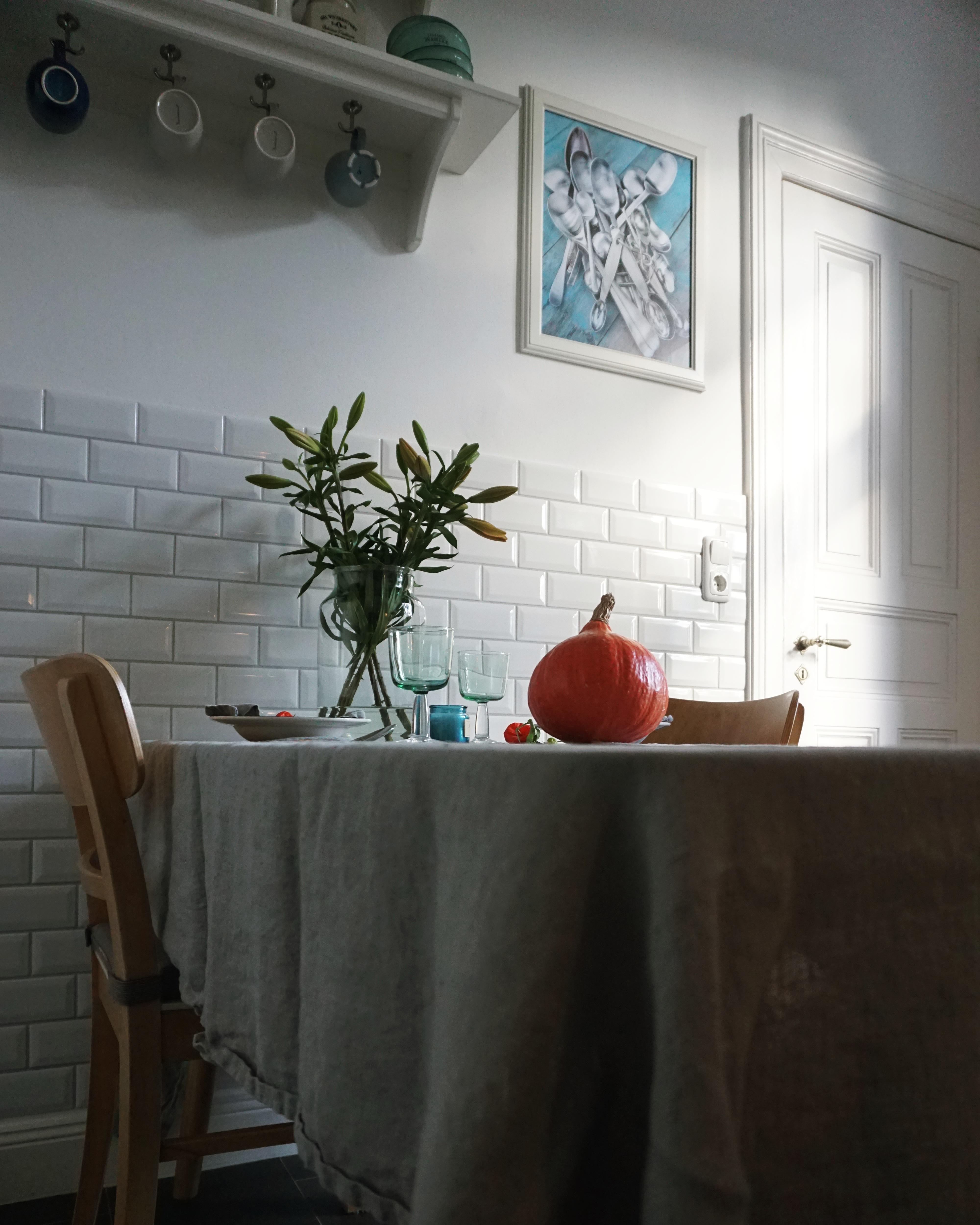 Tischlein Deck Dich 🍴#Küche #gedeckterTisch #Esstisch #Herbst #Metrofliesen