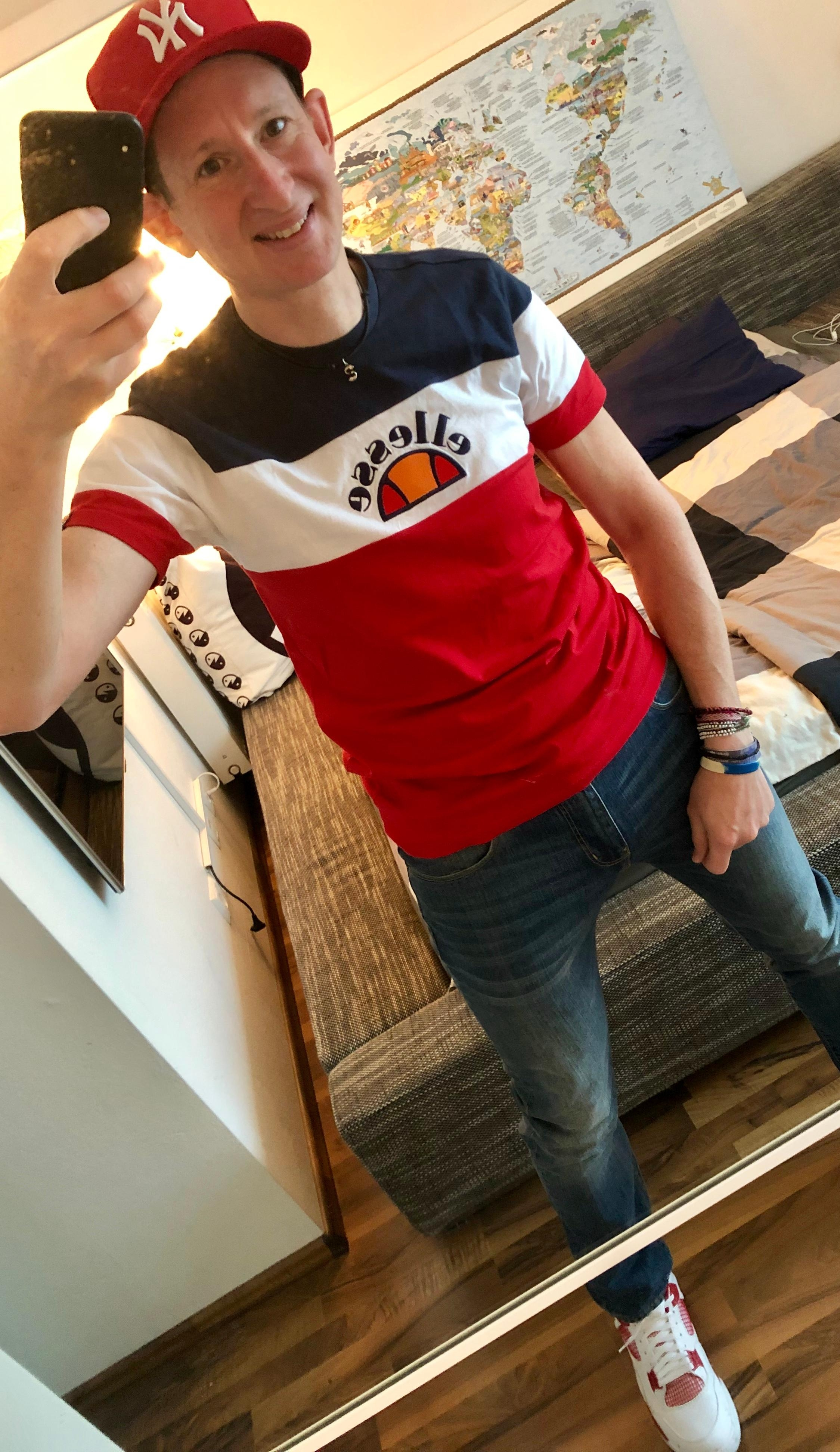 Today is my Day Off! Bis morgen Anzug & Krawatte! :) #Ootd #Fashionchallenge #Casual #Ellesse #ArmaniJeans #Nike #NewEra
