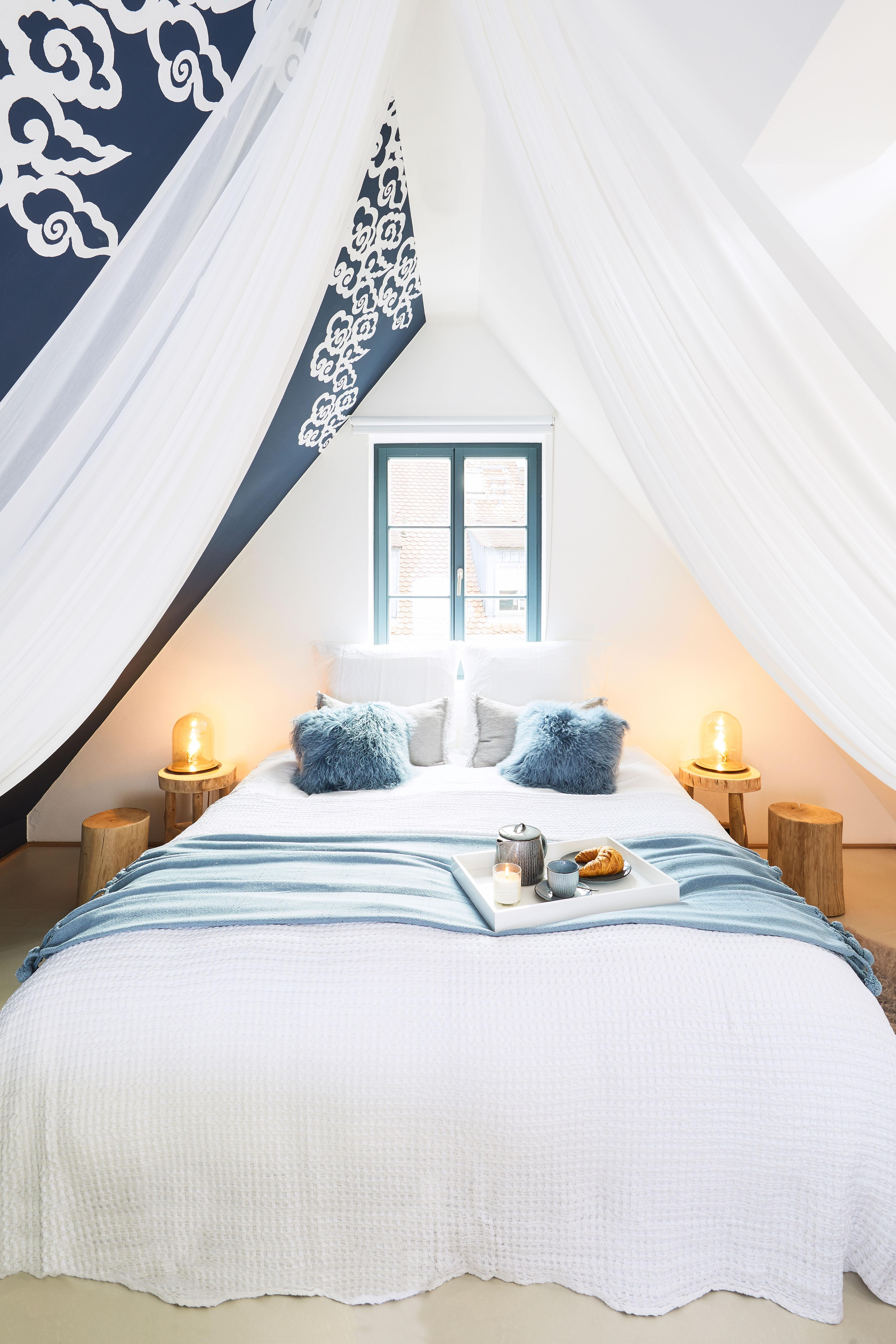im himmelreich von jessica und sandra schwarz. Black Bedroom Furniture Sets. Home Design Ideas