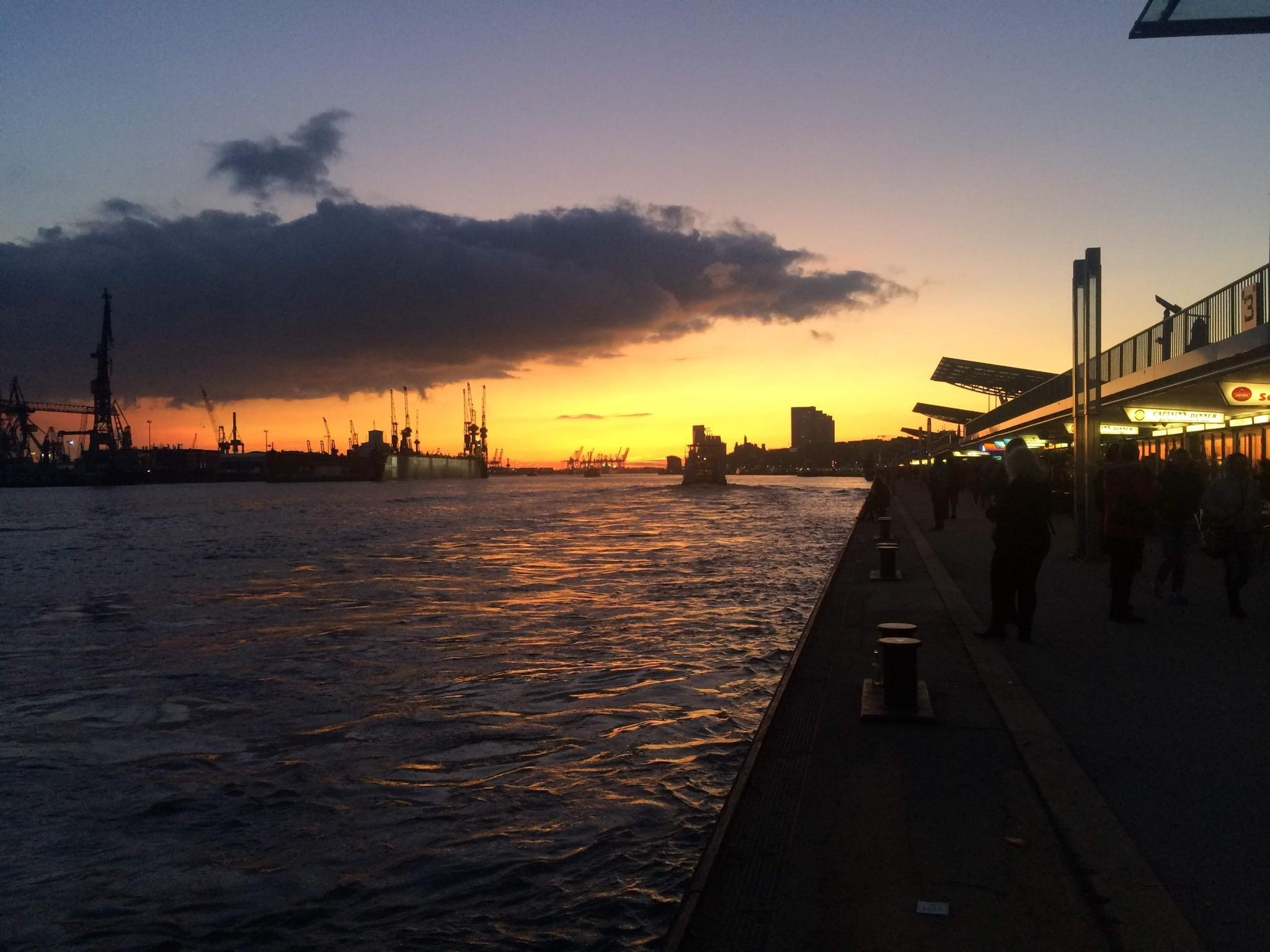 #travelchallenge #heimatentdecken #hamburg #sunset