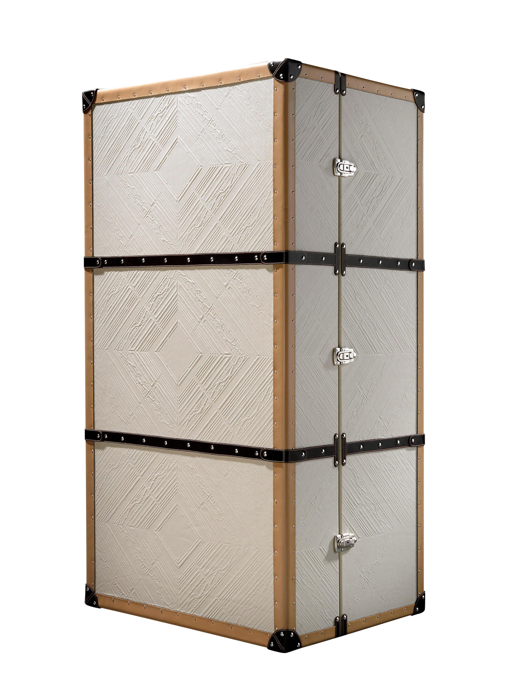TRAVELER Cabinet by ROOMERS Design Studio #schrankkoffer ©ROOMERS