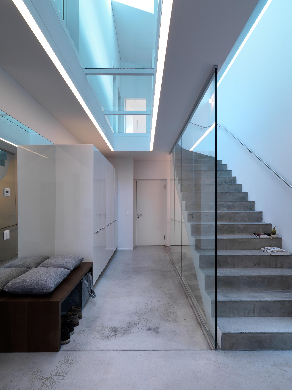 Gut bekannt Treppe aus Beton #dachschräge #glaswand #betontreppe... BH96