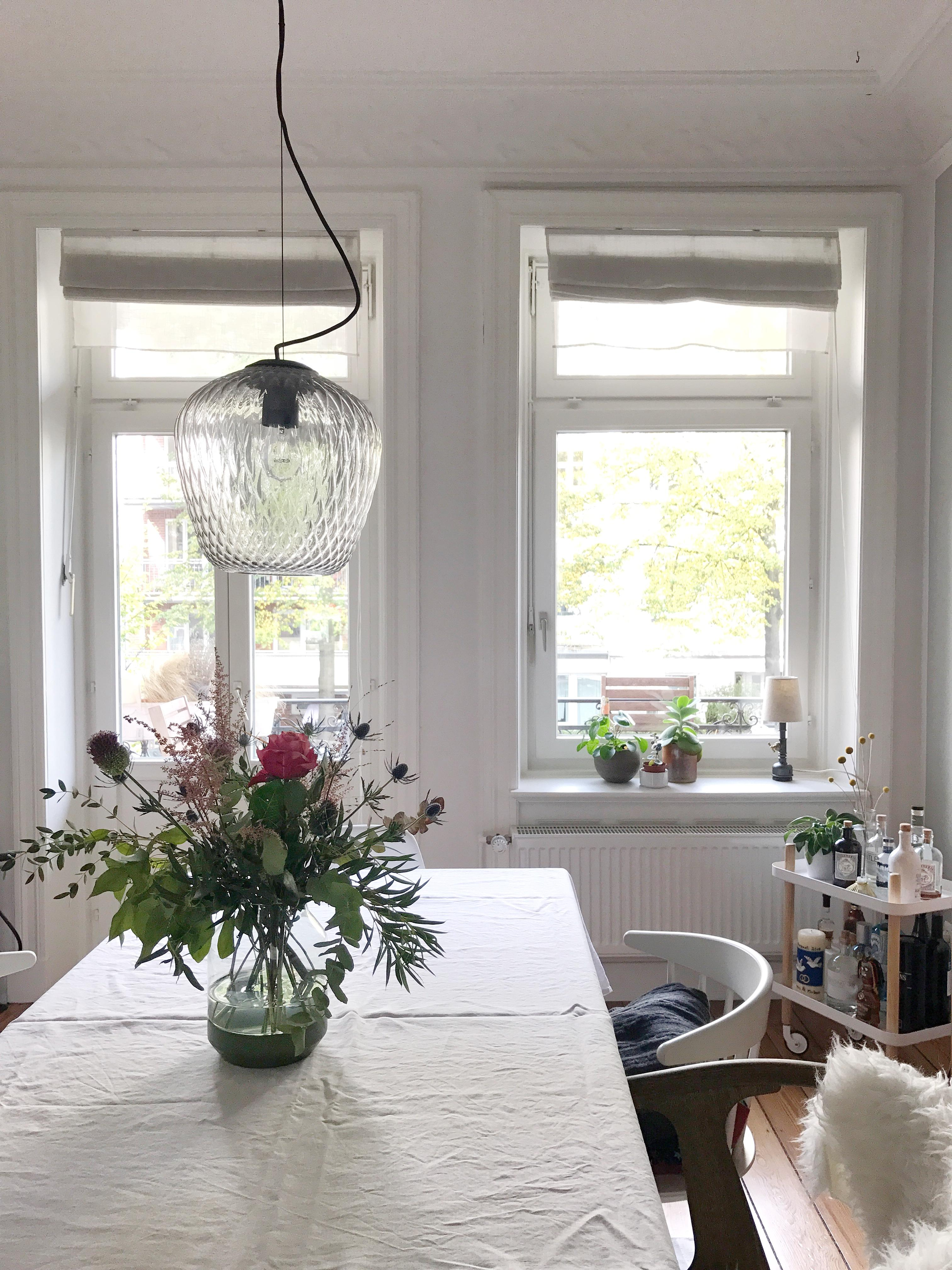 Unser #esszimmer! #skandinavisch #altbau #tischdeko #andtradition #muuto  #hay