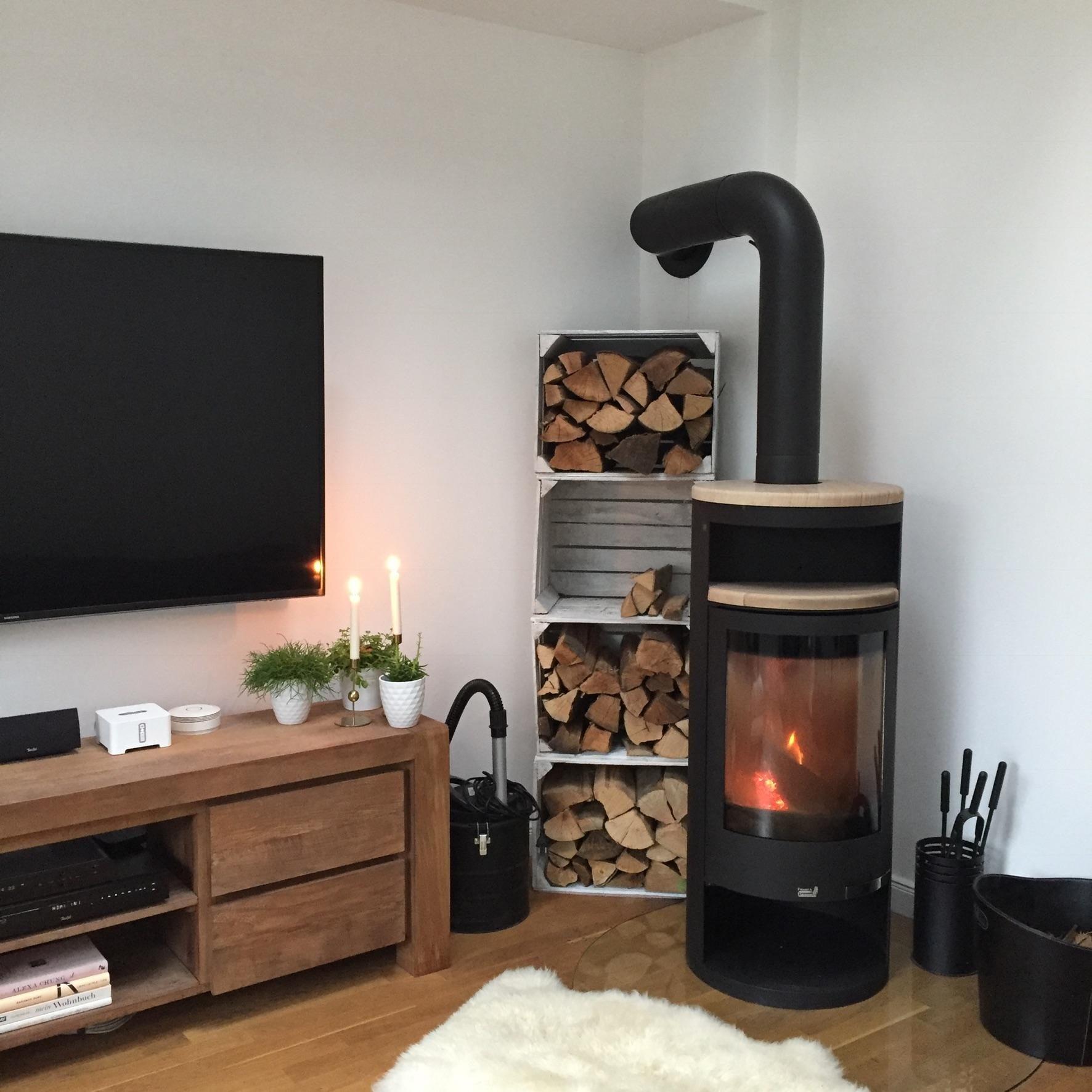 Unser Feuerholz Dient Gleichzeitig Als Dekoobjekt. #stauraum #kamin # Wohnzimmer #living #