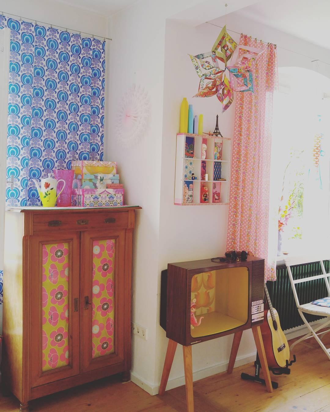 Unser Haus Ist über 100 Jahre Alt Und Besticht Durch Hohe Decken, Alte  Dielen,
