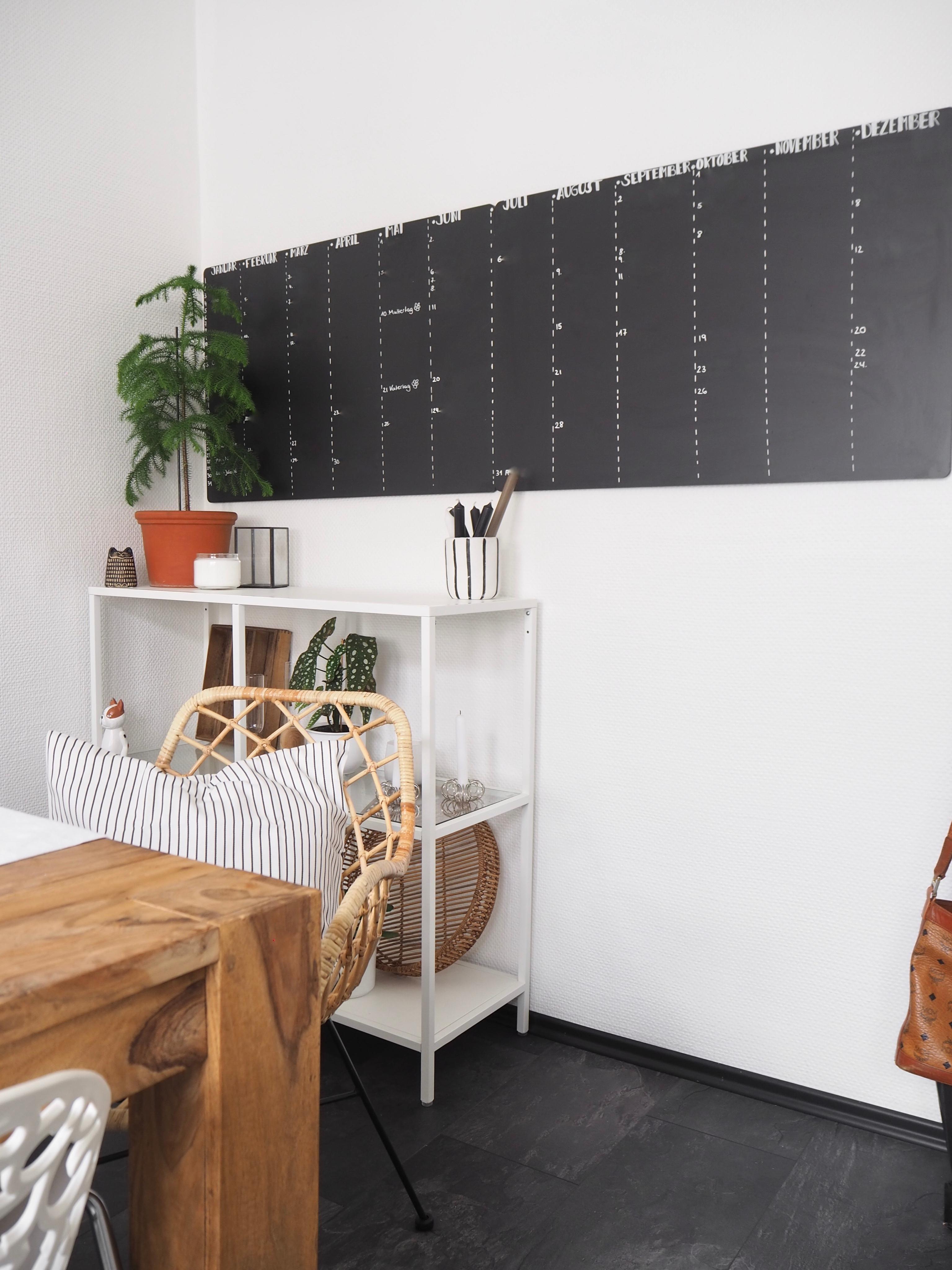 Unser Jahreskalender #tafel #küche #chalkboard #term...