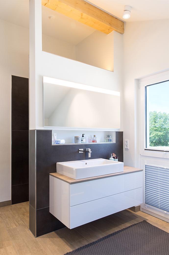 Unser Waschbereich Im Hauptbad Mit Indirekter Nischenbeleuchtung. # Badezimmer