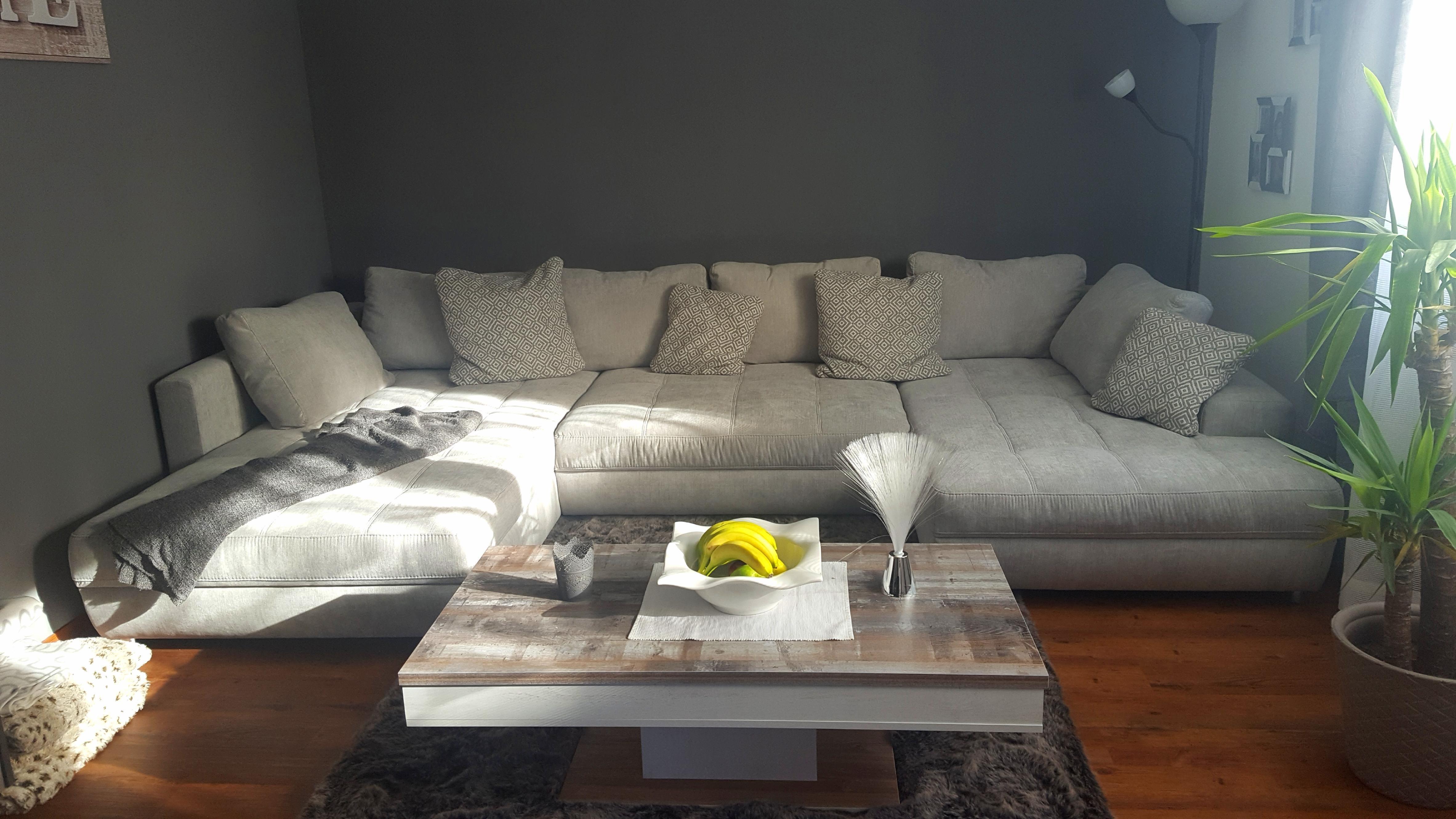 Unsere neue wohnlandschaft couchliebt wohnzimmer for Deko skandinavisch