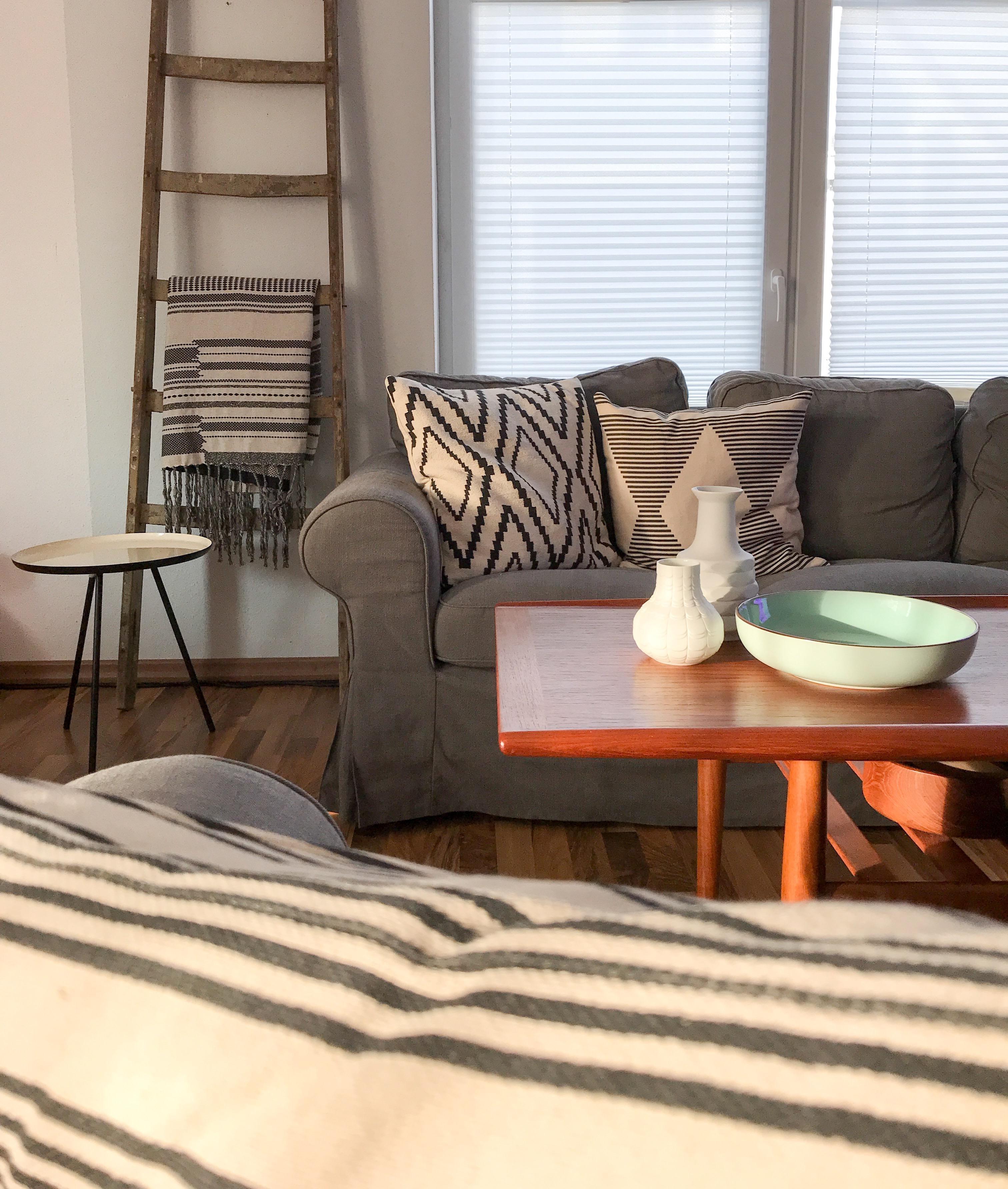Unsere Sitzecke Im #wohnzimmer Ist Ein Mix Aus Alt Und Neu. #livingchallenge