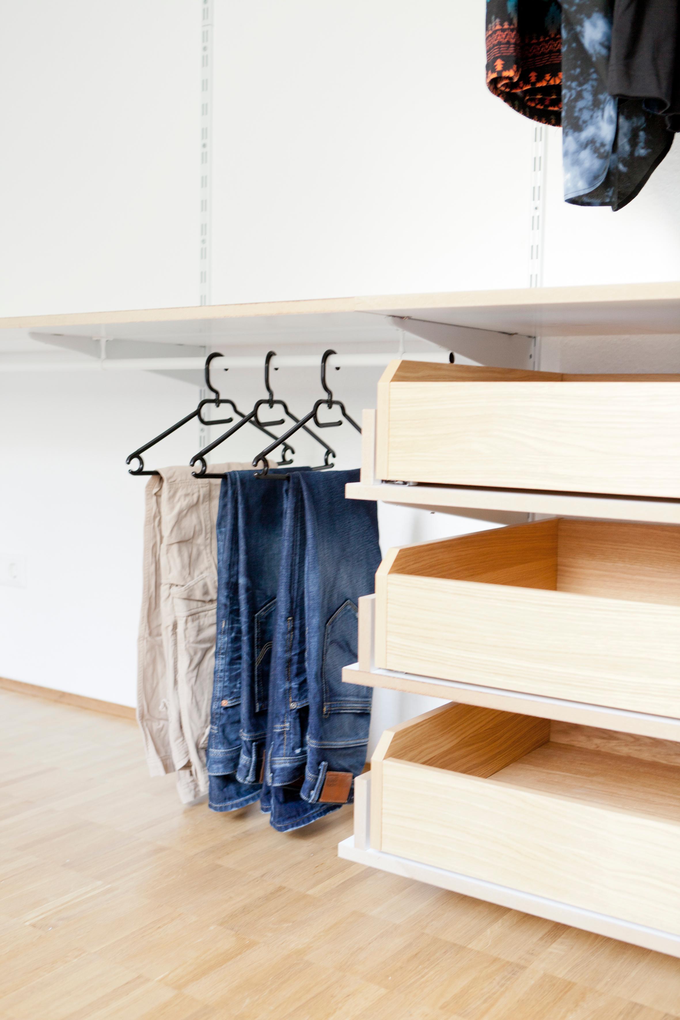kleiderschrank offen system ee86 hitoiro. Black Bedroom Furniture Sets. Home Design Ideas
