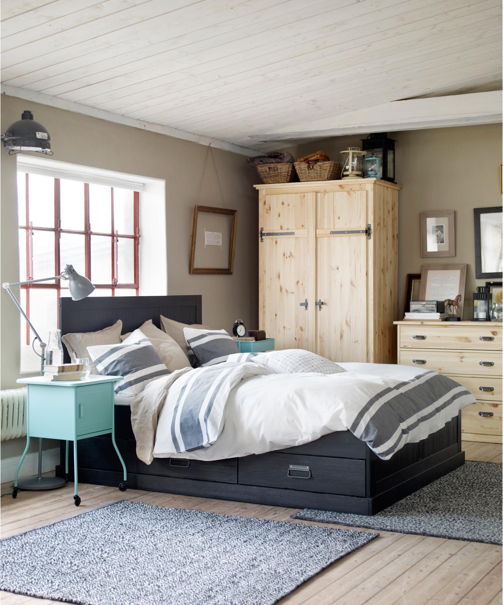 wei e holzbalkendecke bilder ideen couch. Black Bedroom Furniture Sets. Home Design Ideas