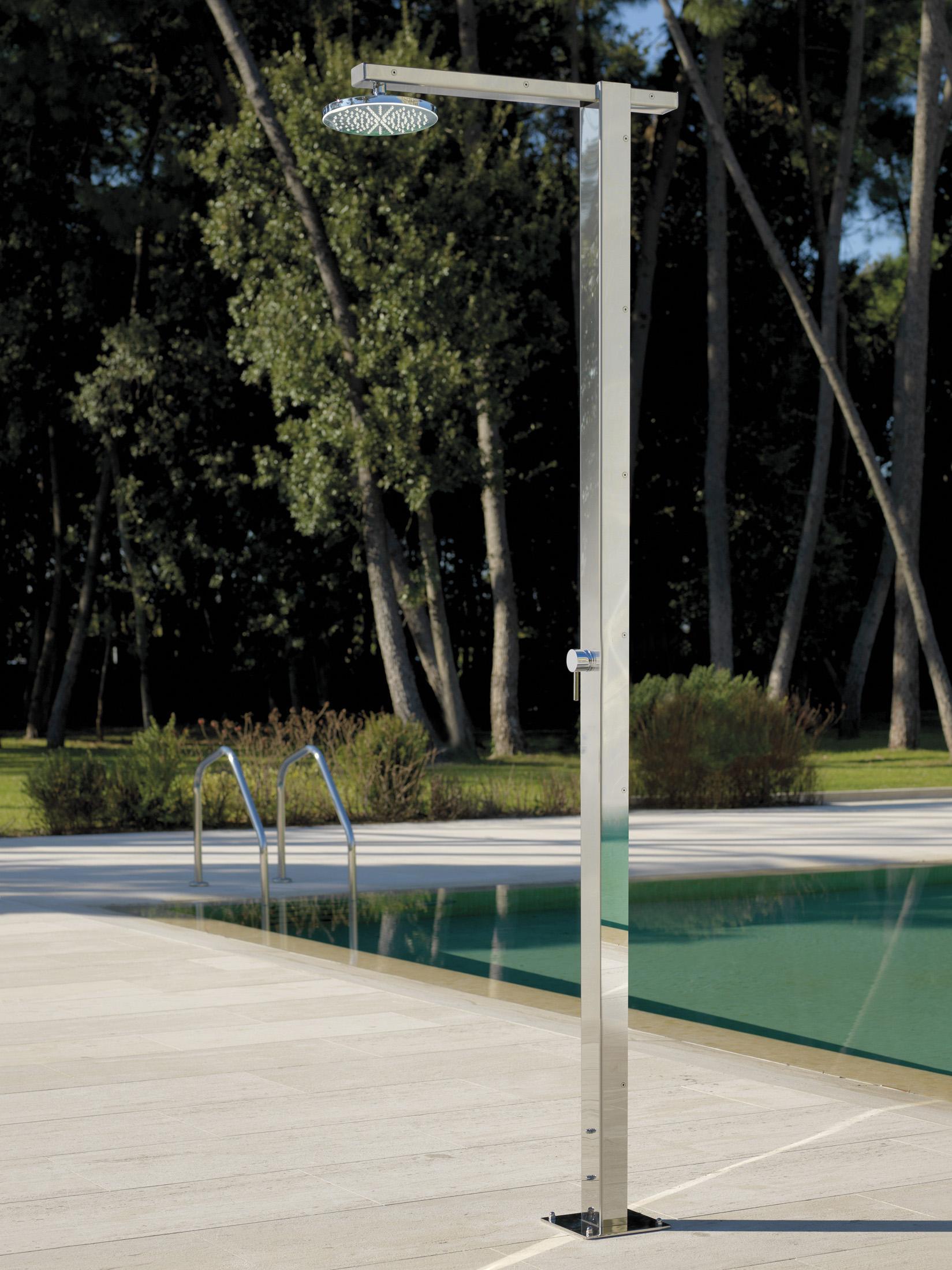 Vierkantige Gartendusche #pool #dusche #minimalistisch #außendusche  ©Fontealta