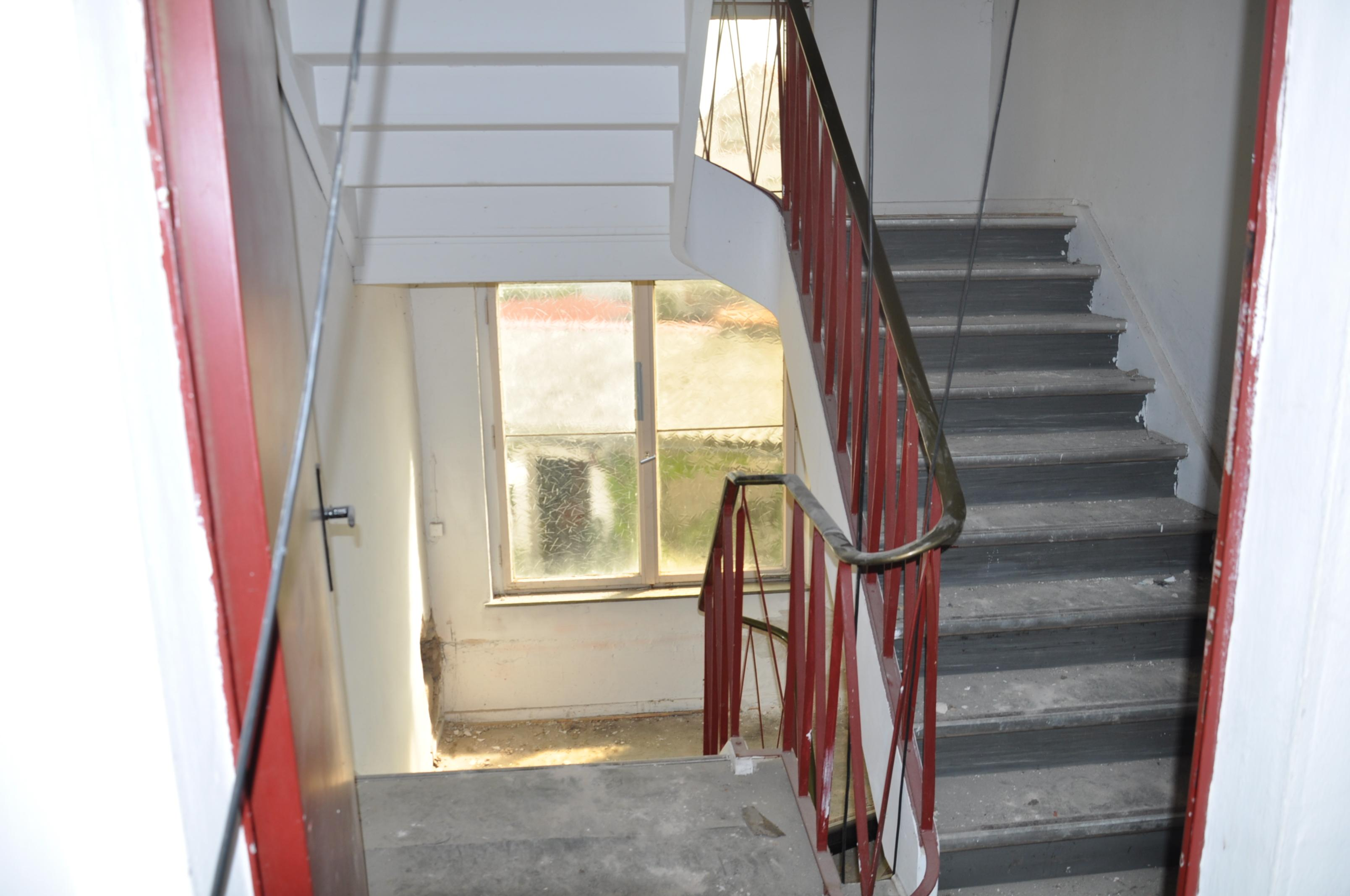 Relativ Vor dem Umbau #treppenhaus #eingang ©Tatjana Adelt •... GP08