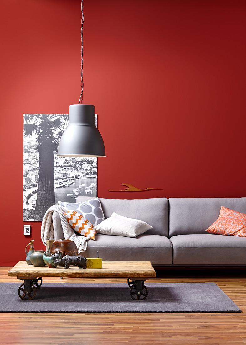 Wärmende Wohnlichkeit: Farben, Die Einheizen #wandfarbe #grauessofa  #sitzecke #hängeleuchte #