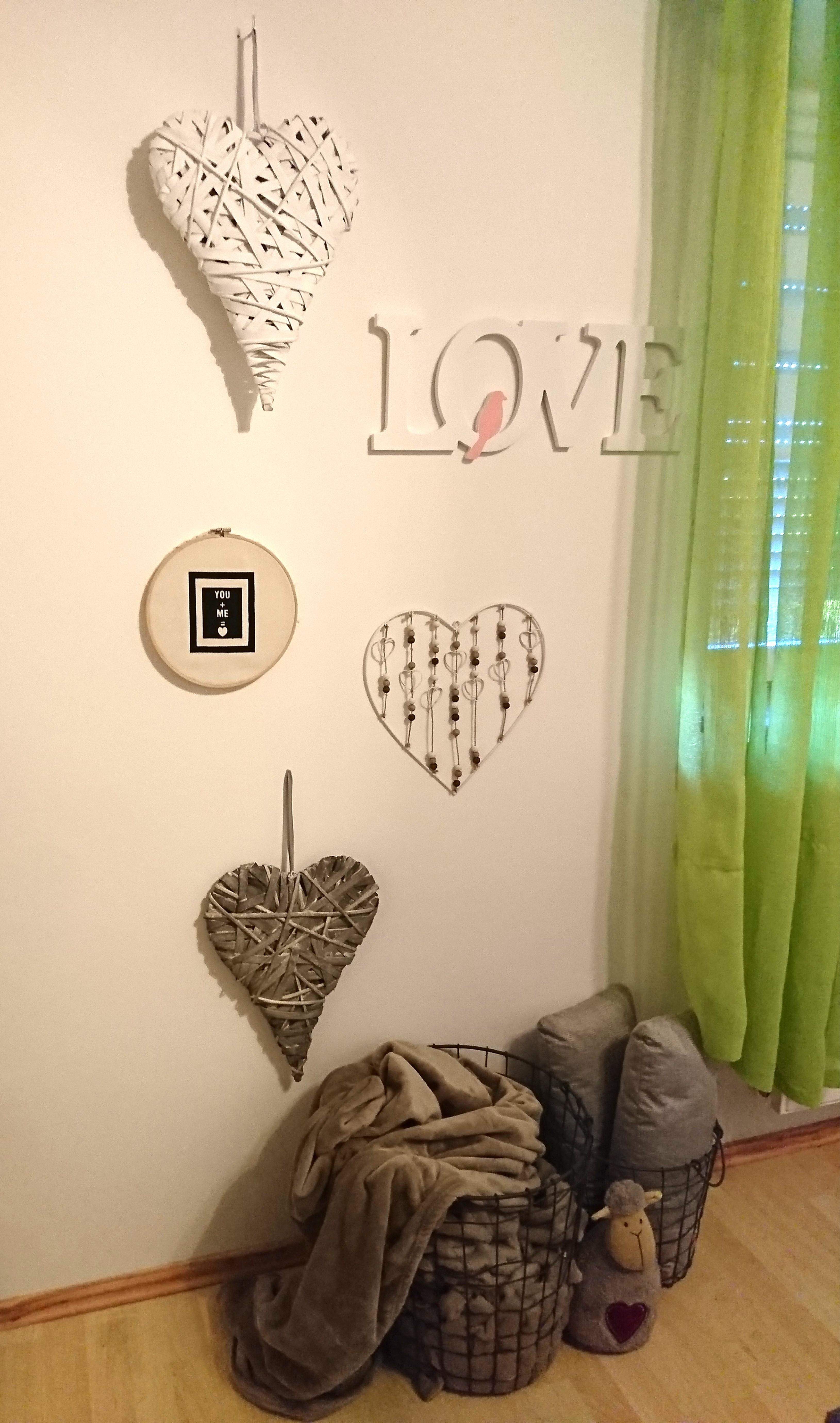 Wand Etwas Verschönert:) #schlafzimmer #körbe #love #wanddeko #decke #