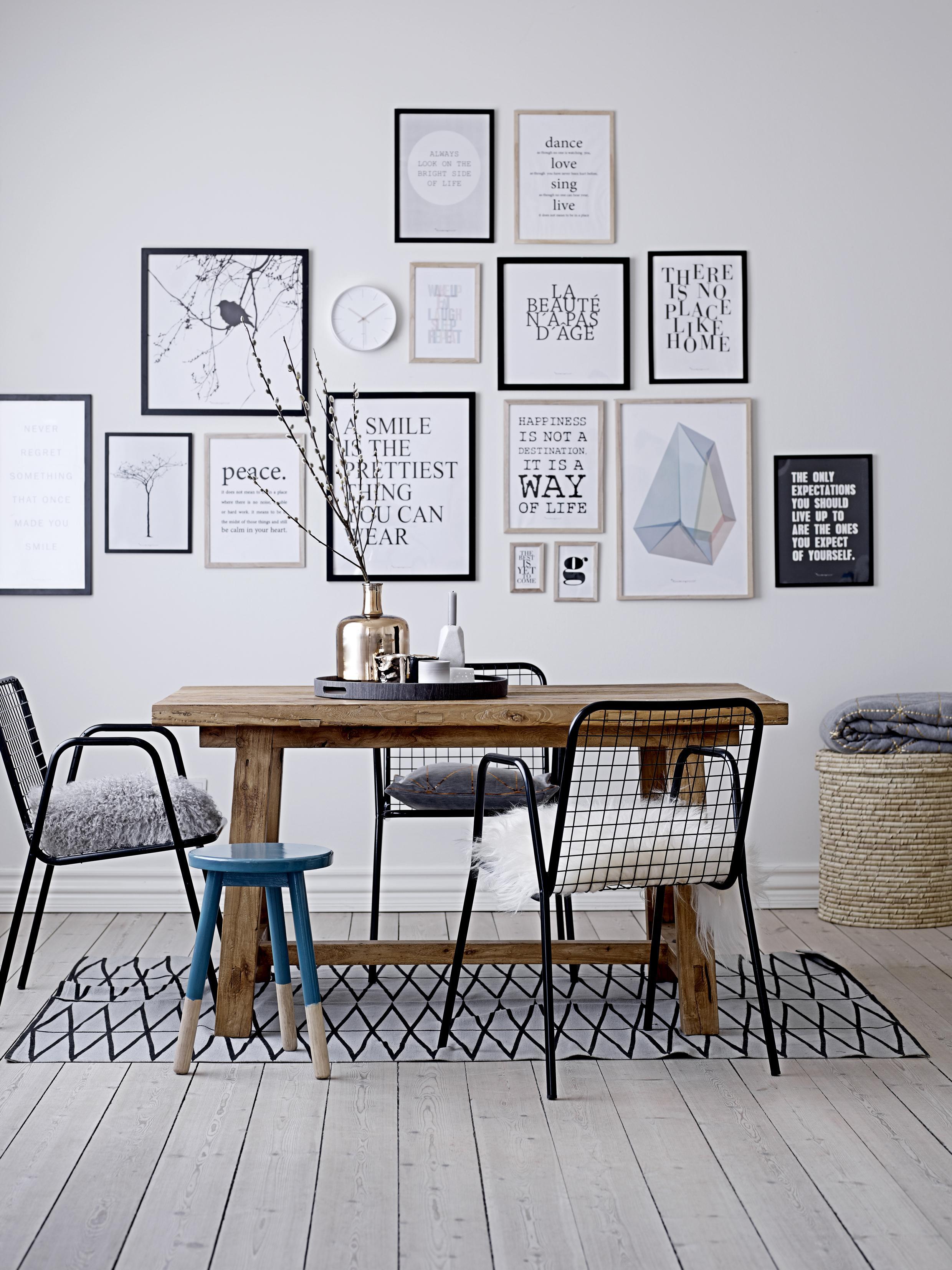 Wanddeko Mit Bilderrahmen #Holztisch #Bilderrahmen #