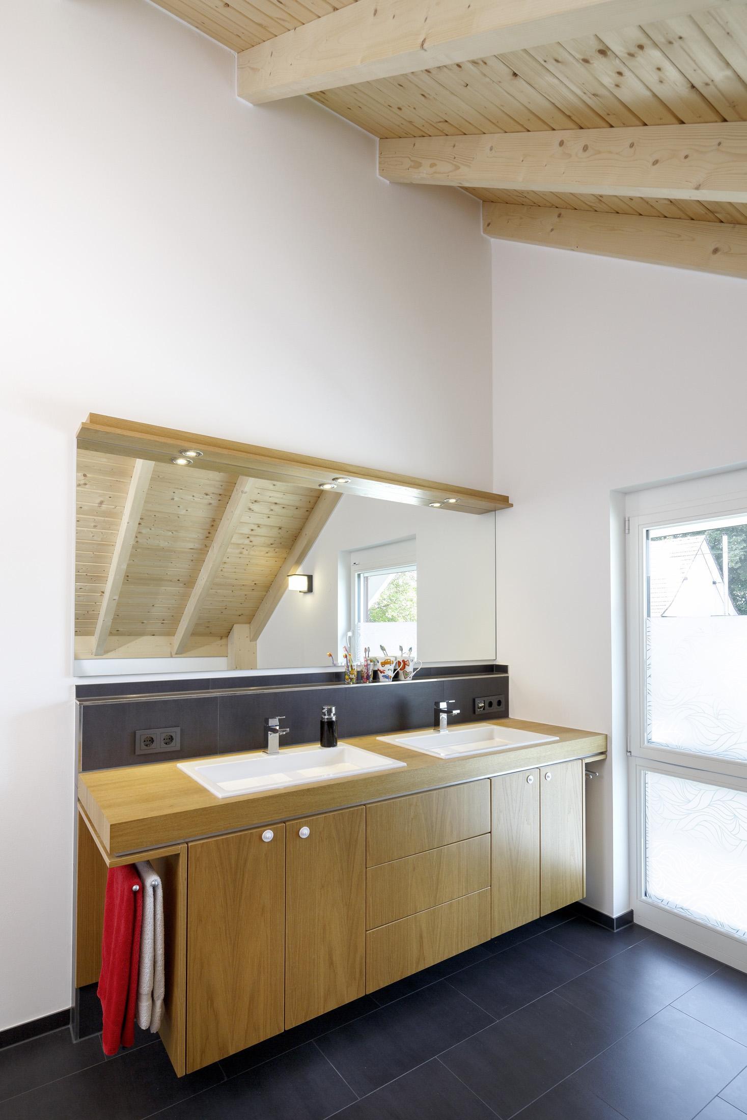 Waschtisch Fur Zwei Dachschrage Deckenpaneel Flie