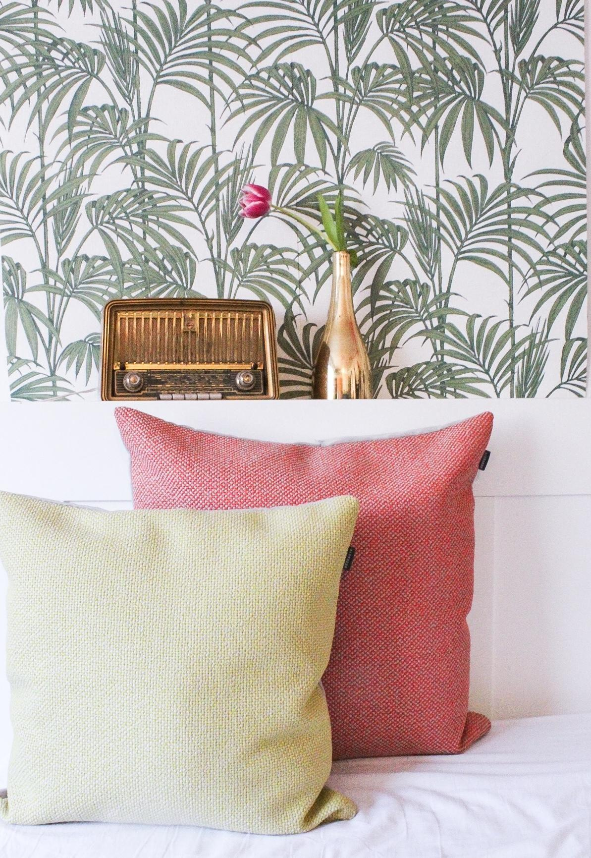 We like fancy wallpapers!