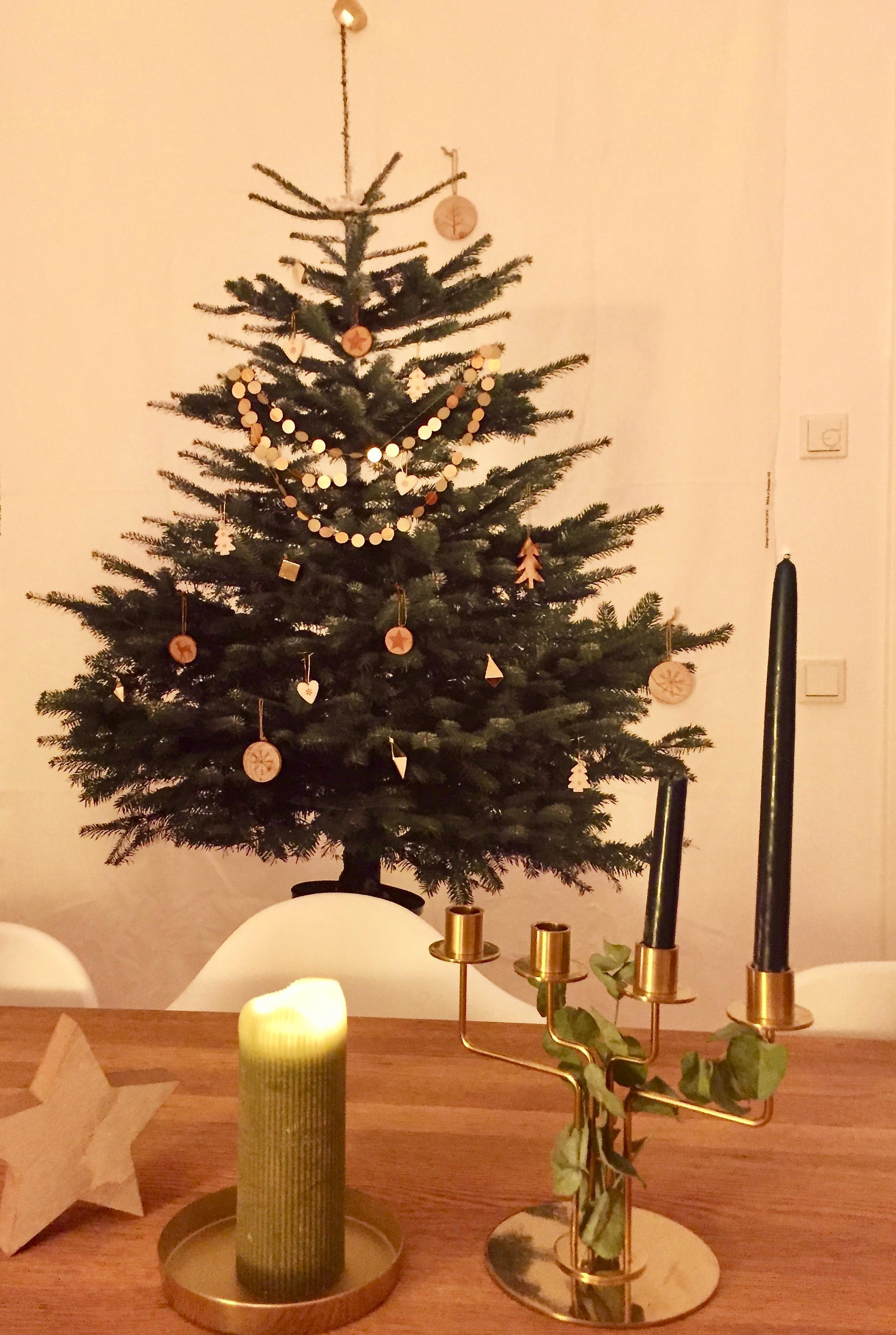Ikea Weihnachtsbaum.Weihnachtsbaum Mal Anders Andiewandgehängt Weihna