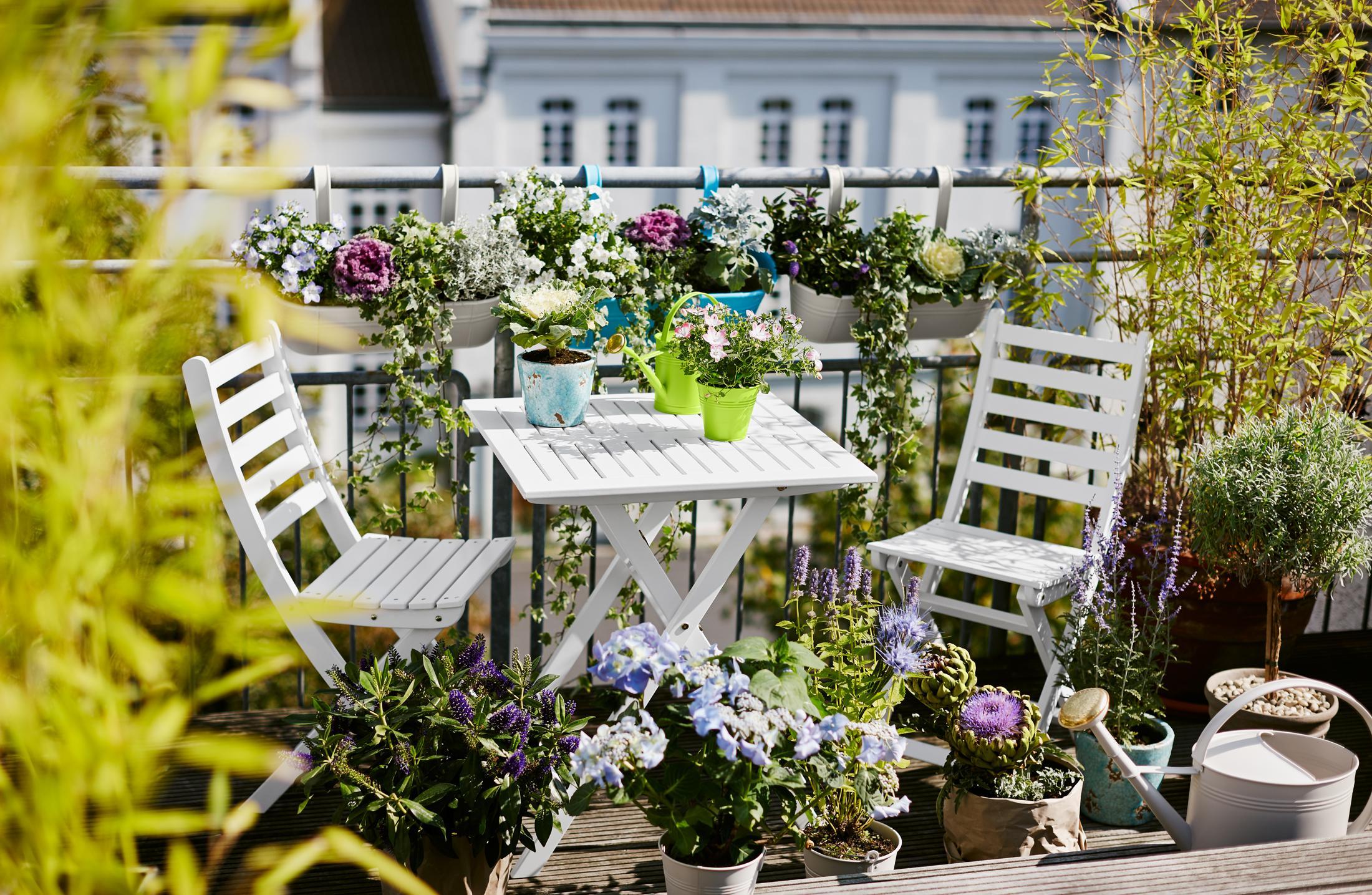Weißes Gartenmöbel • Bilder & Ideen • COUCHstyle