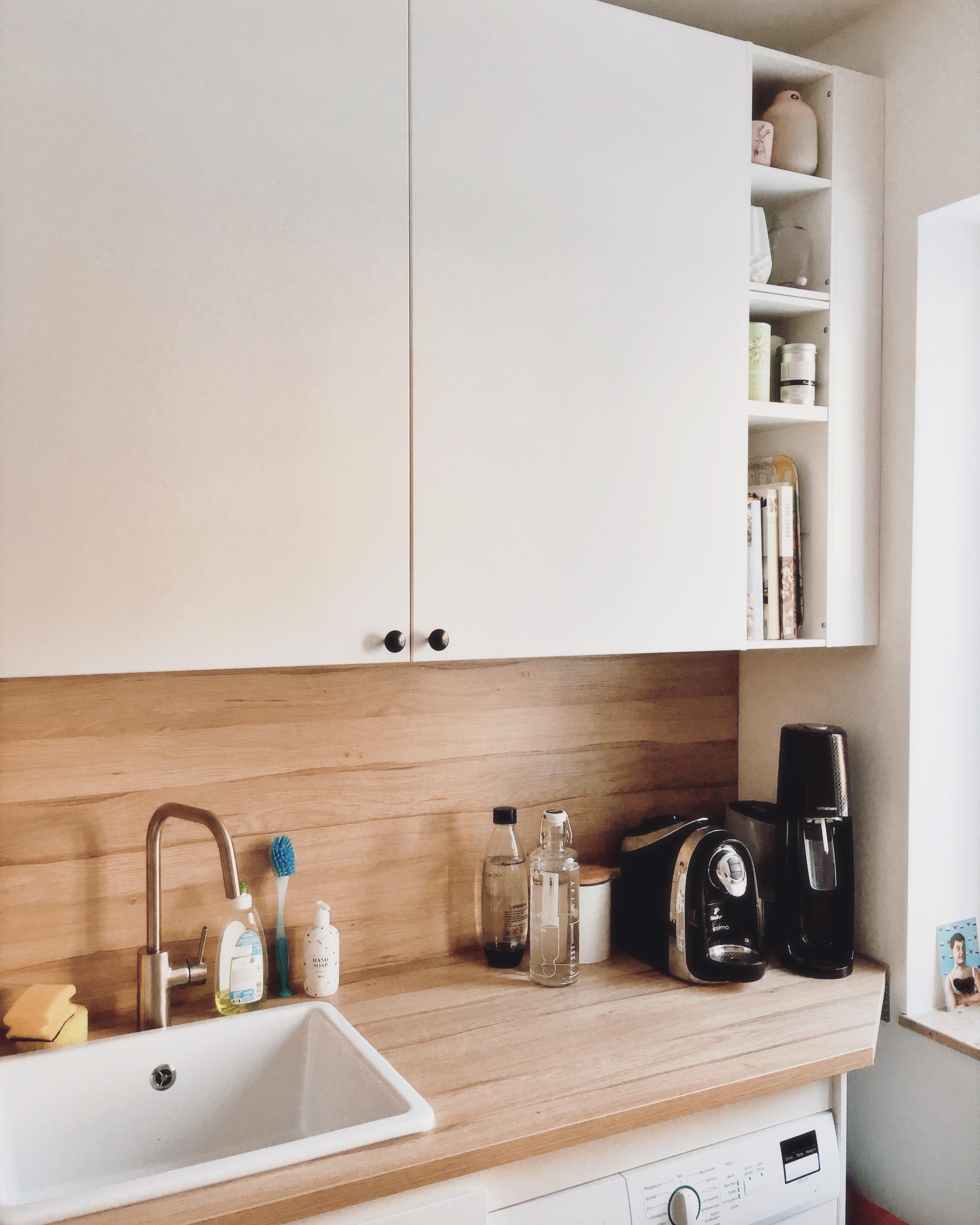 Weiße Skandi-Küche #küche #ikea • COUCH