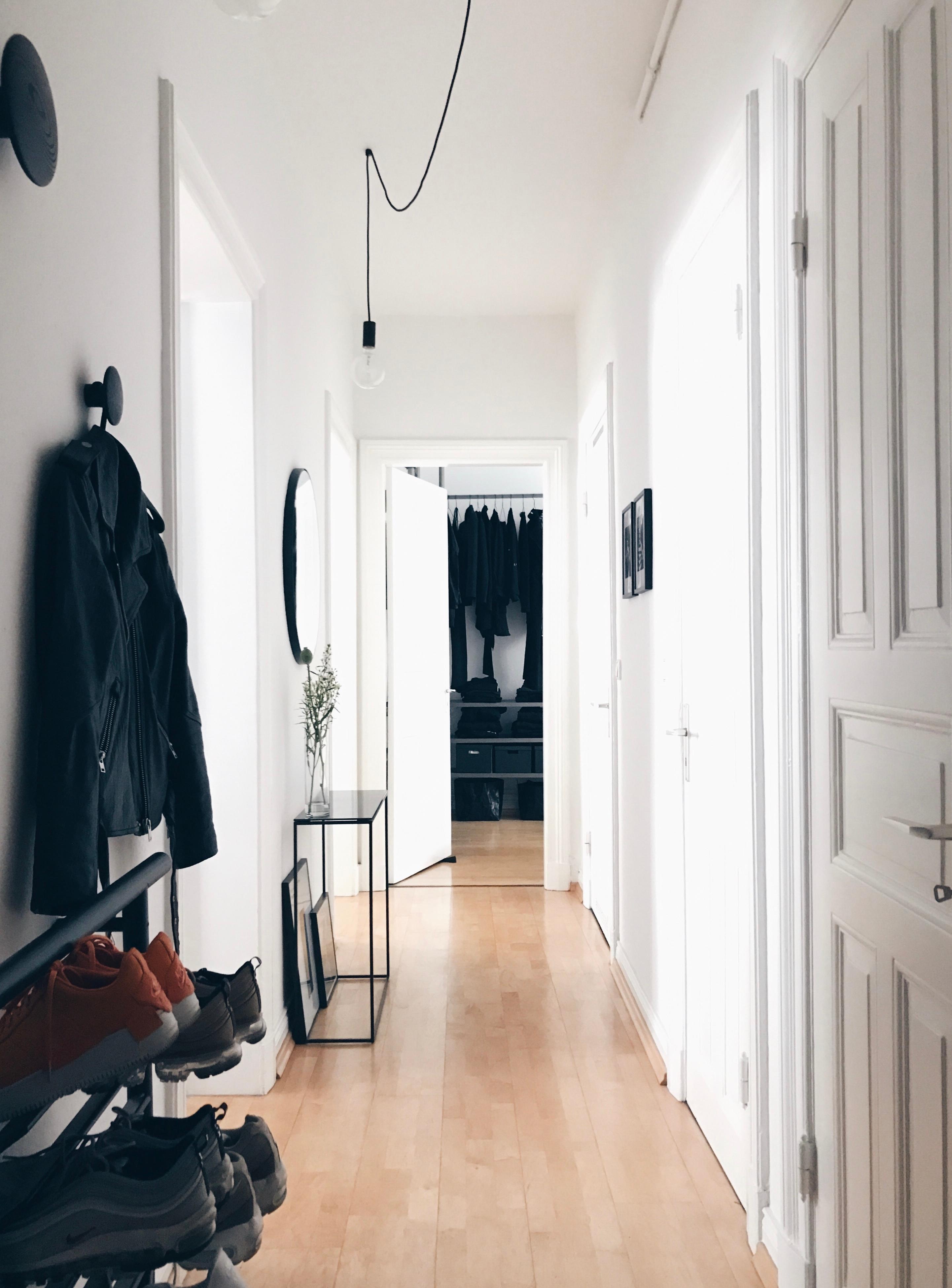 Weiter Geht Die #livingchallenge Mit #flur .. #altbau #altbauliebe  #minimalism