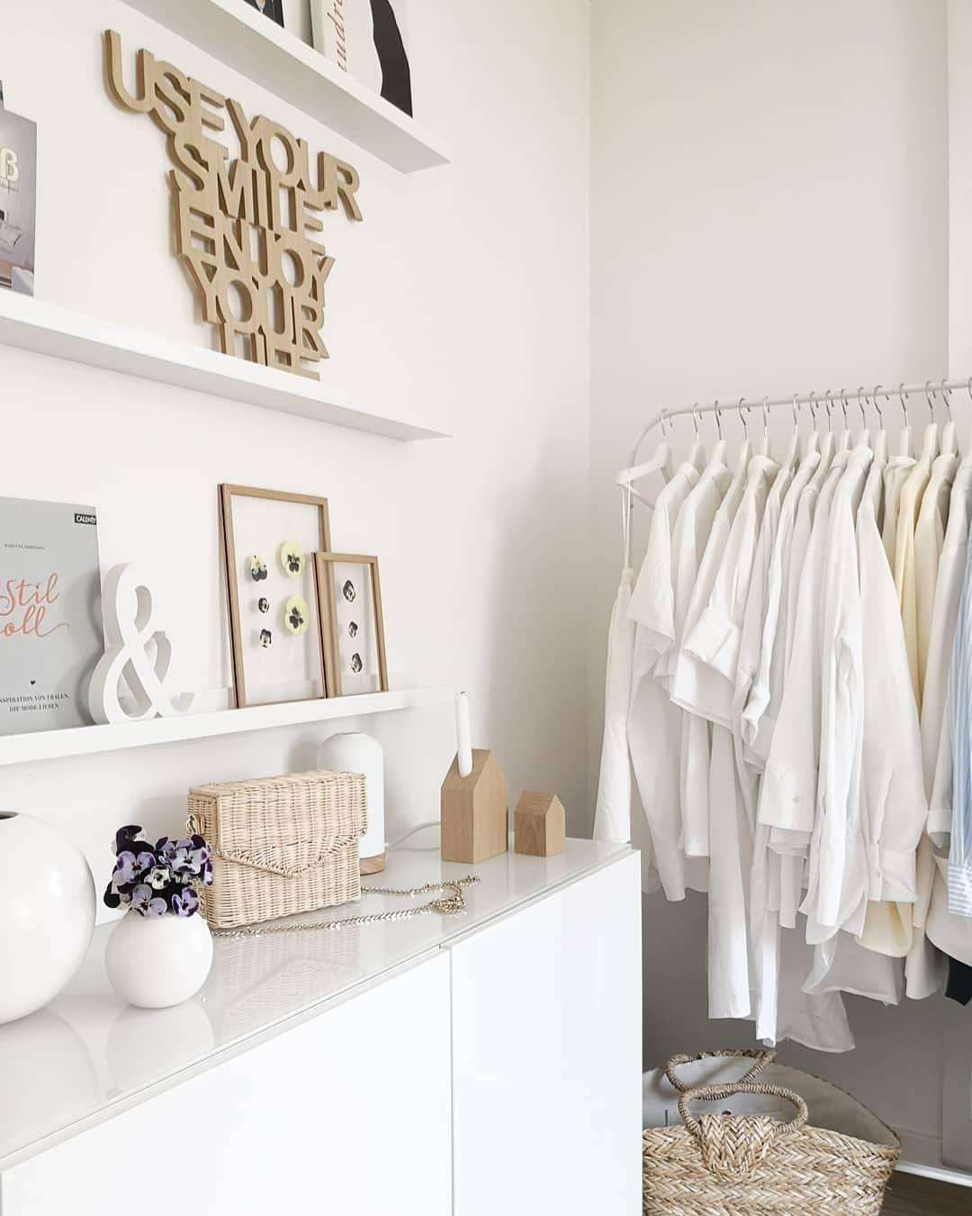 #whiteliving #softminimalism #walkincloset #mädchenkram