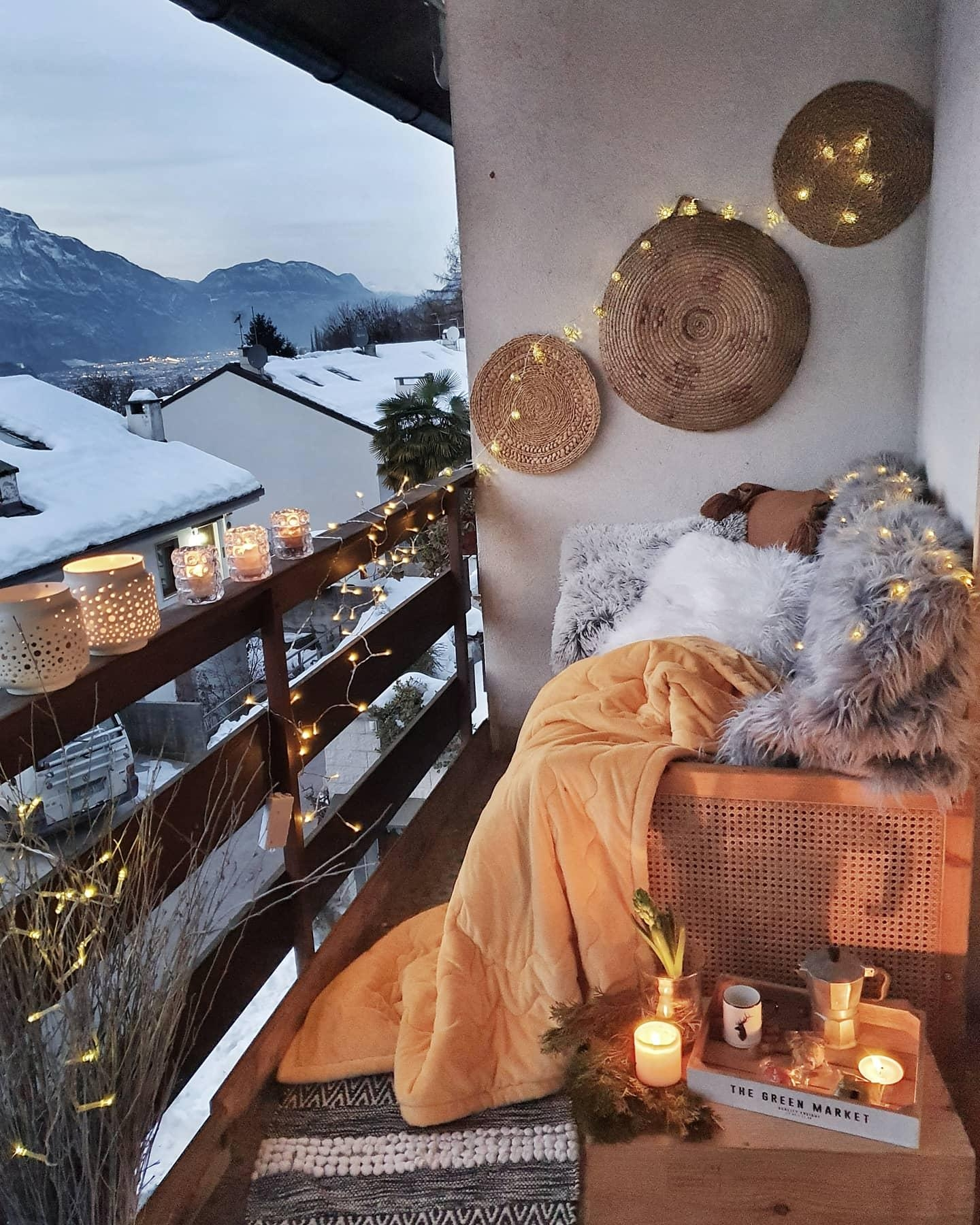#winter #balkon #couchliebt #interior #italien #boho #hygge #cozy