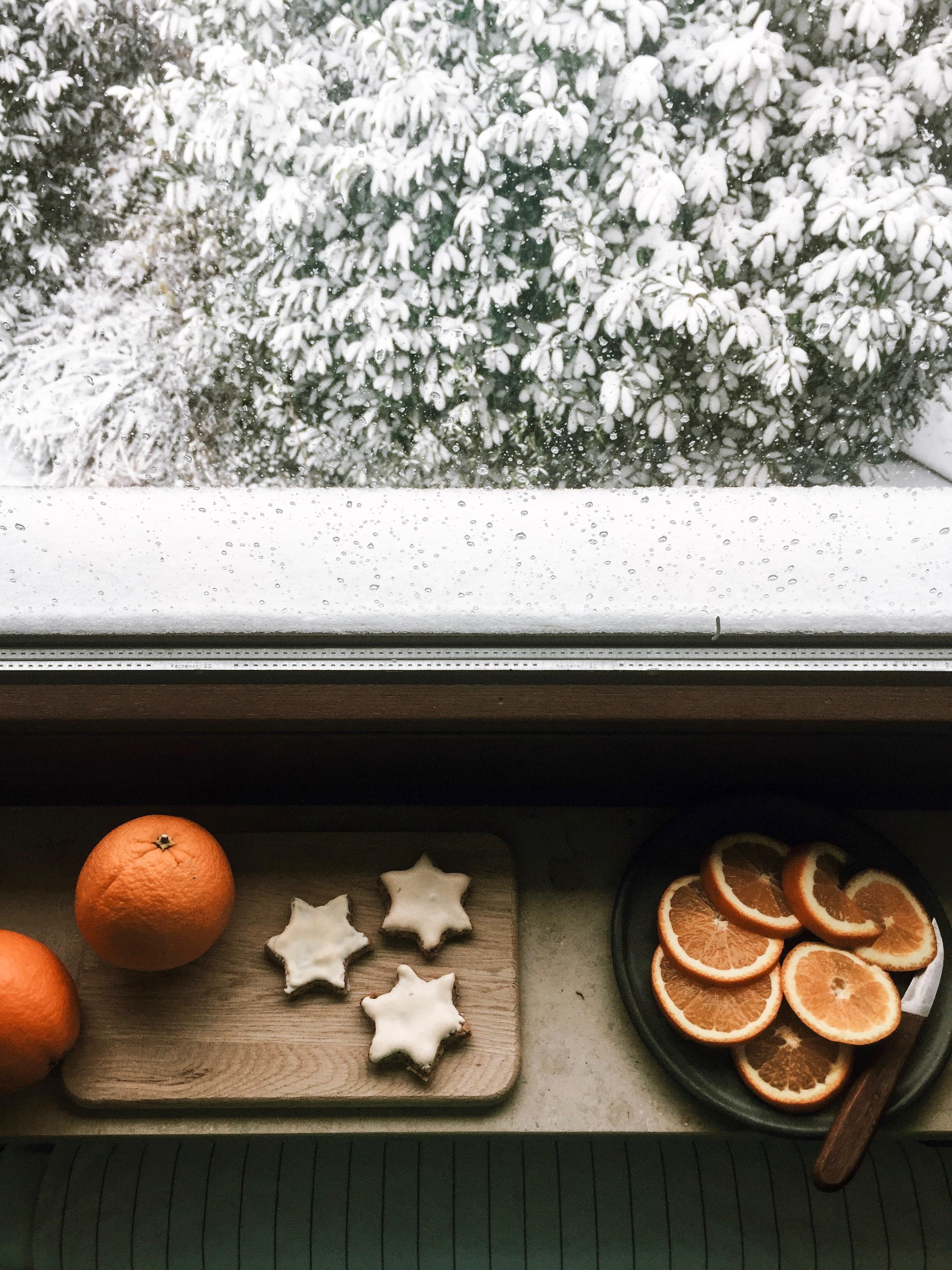 Wintertag. #winter #snow #christmas #decoration #white #plätzchen #kitchen #home