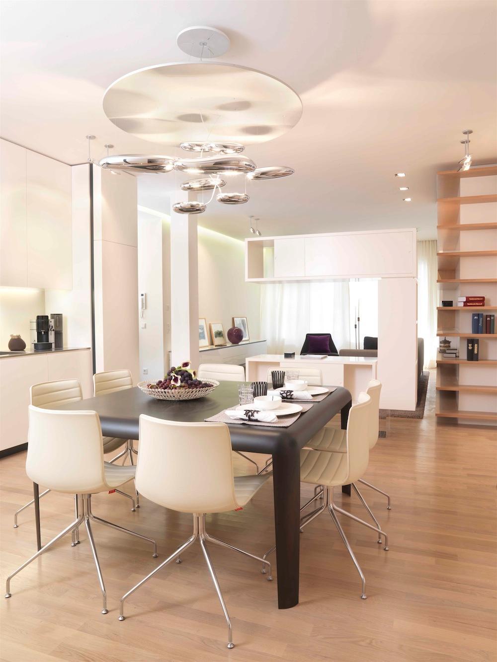 Wohndesign Stuhl Esstisch Sideboard Loft Indirektebeleuchtung Offenekche Weisserstuhl