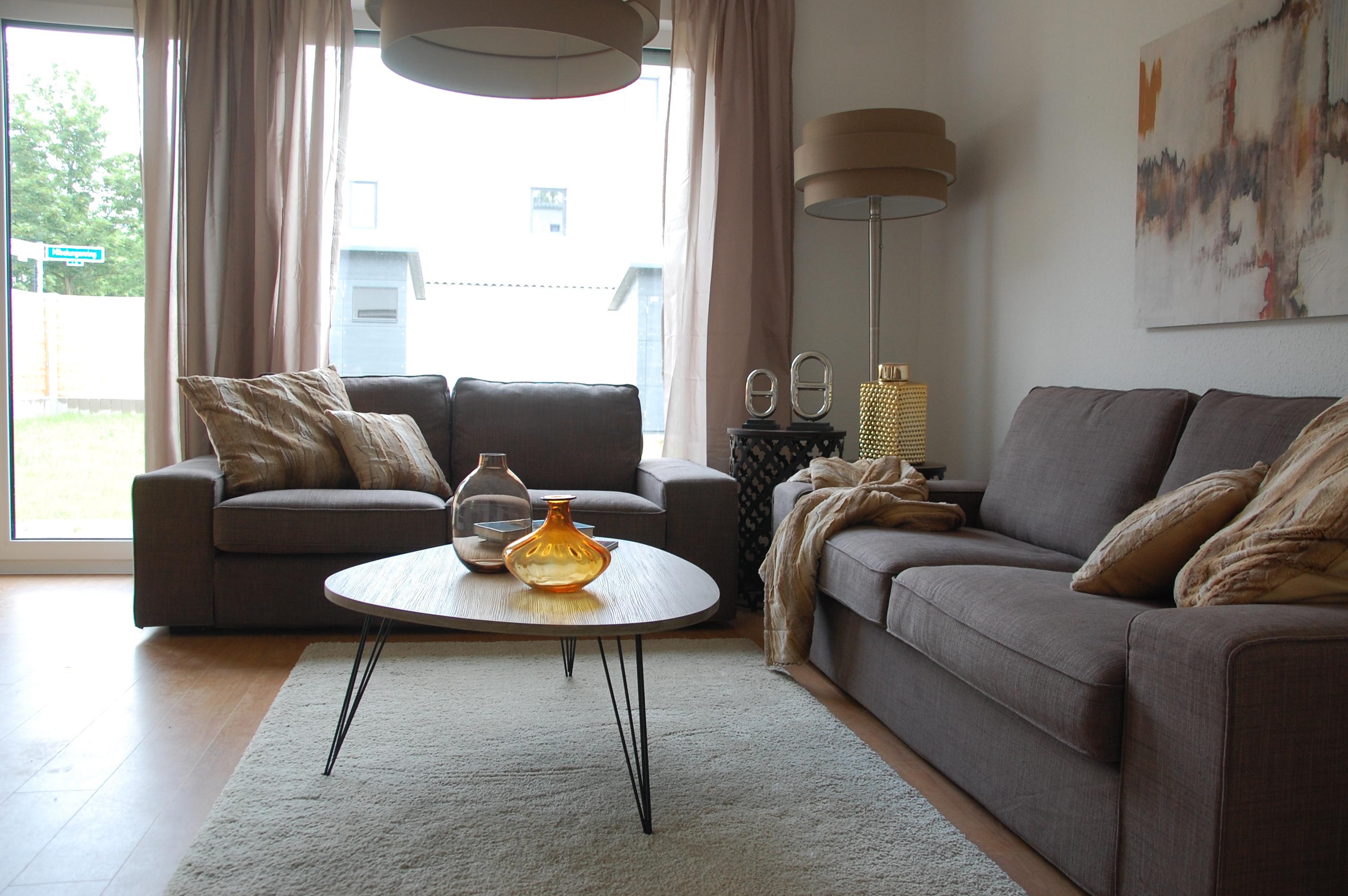das wohnzimmer berlin wohndesign ideen. Black Bedroom Furniture Sets. Home Design Ideas