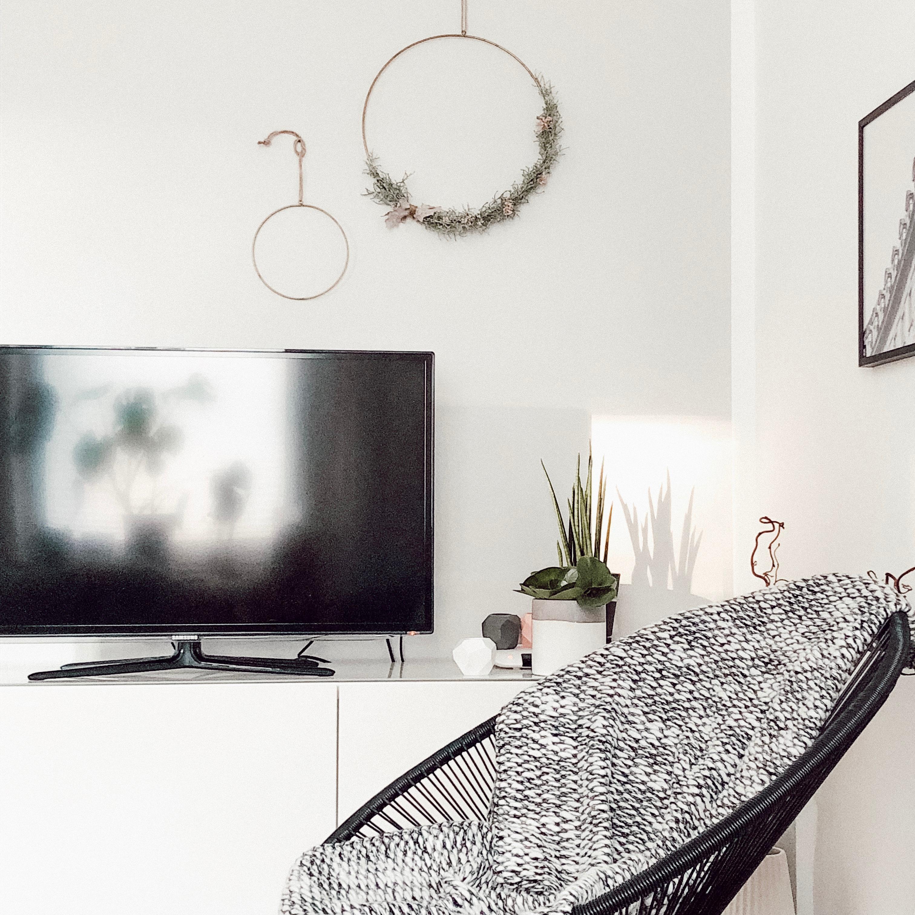 Graue Wand • Bilder & Ideen • COUCH