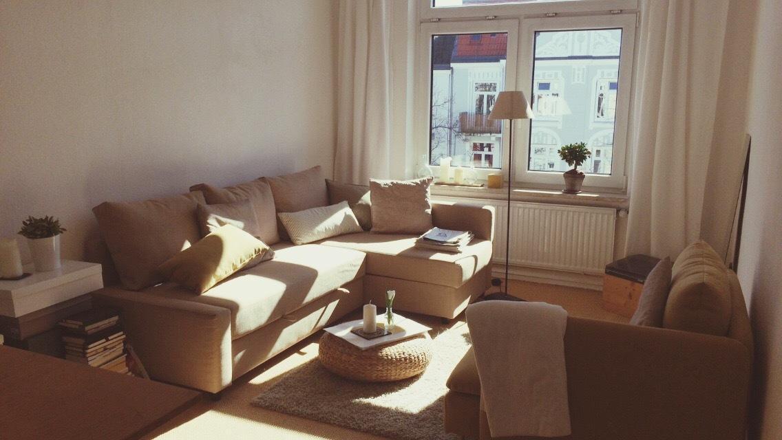 Hochwertig Wohnzimmer In Hellen Farben #wohnzimmer #ecksofa ©Veramarie