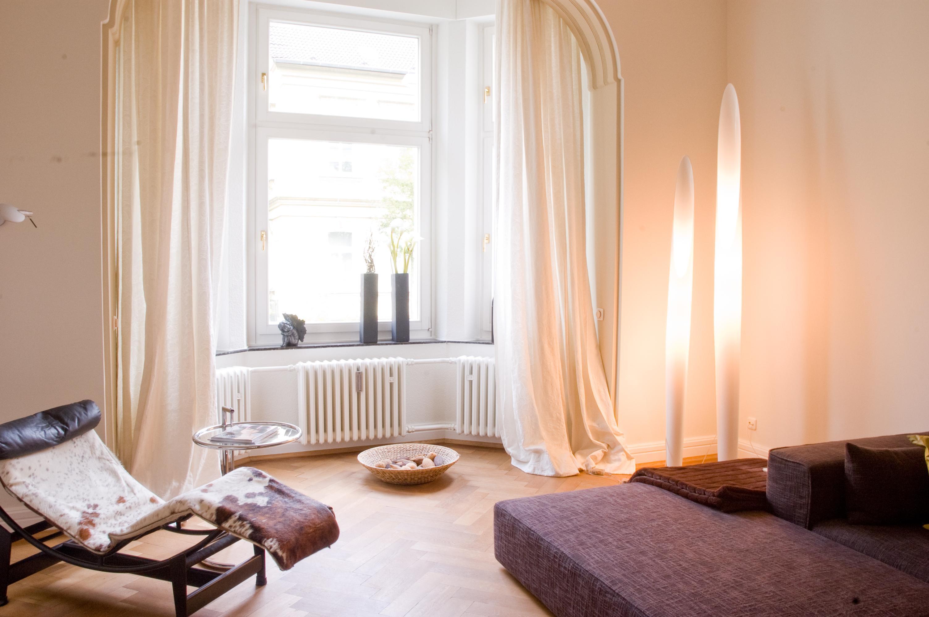 Wohnzimmer Lampen Sofa Lampe Liegestuhl CLuna Homestaging