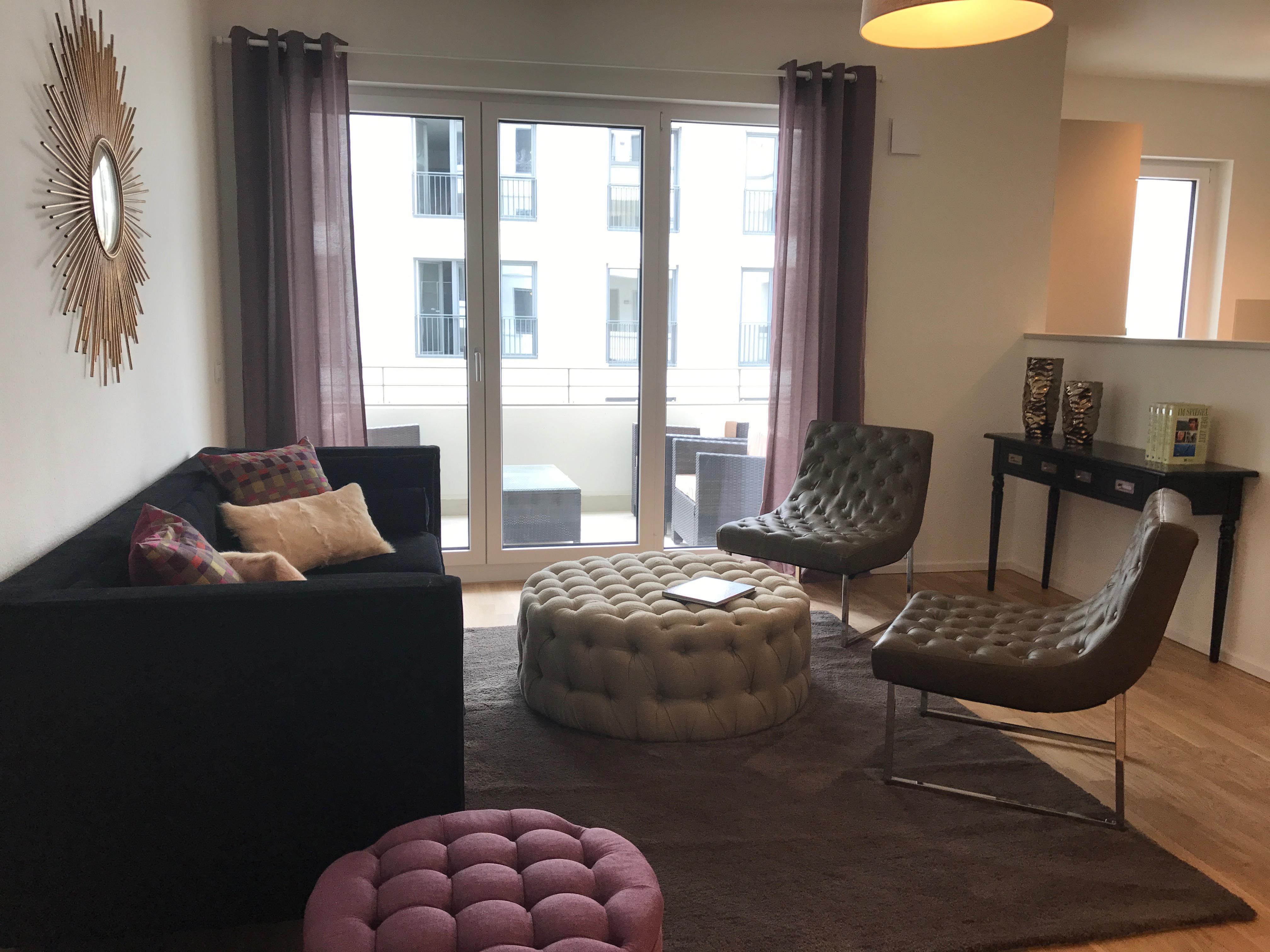 Lila Wohnzimmer, lila wandgestaltung • bilder & ideen • couch, Design ideen