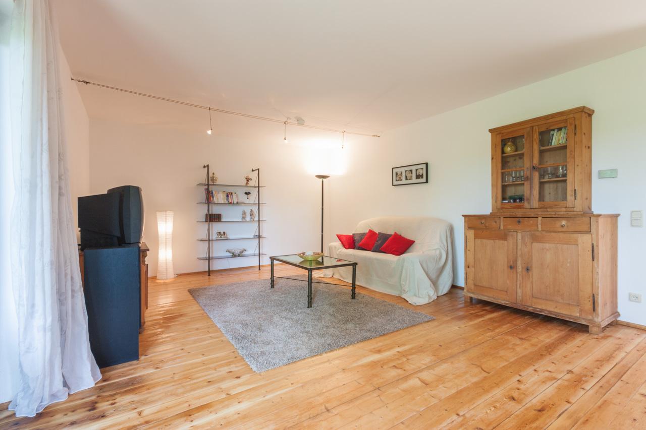 wohnzimmer nachher #holzmöbel #wohnzimmer #schrank # • couchstyle, Wohnzimmer