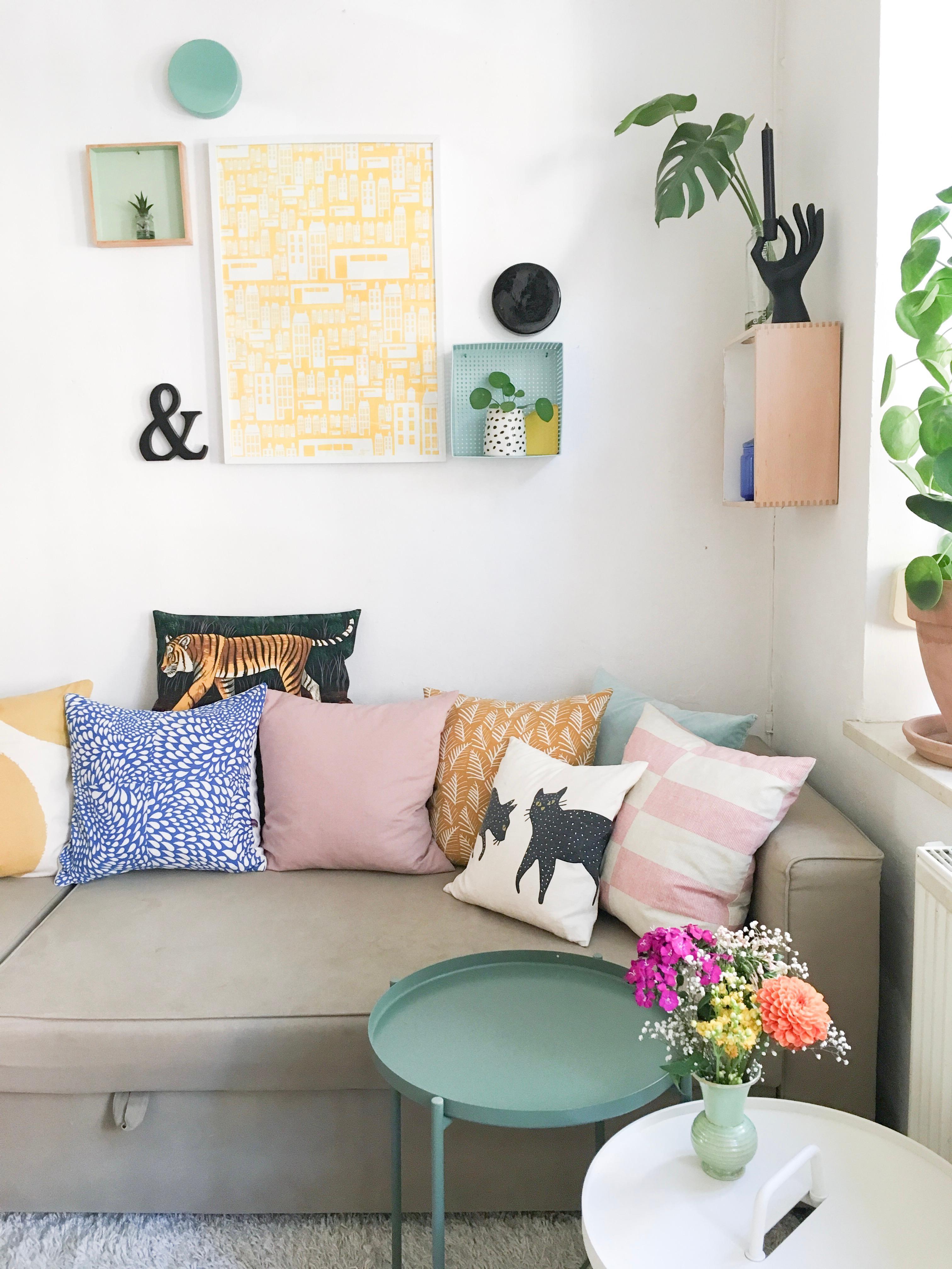 Wohnzimmer Sofa Bunt Farbe Textilien Kissen