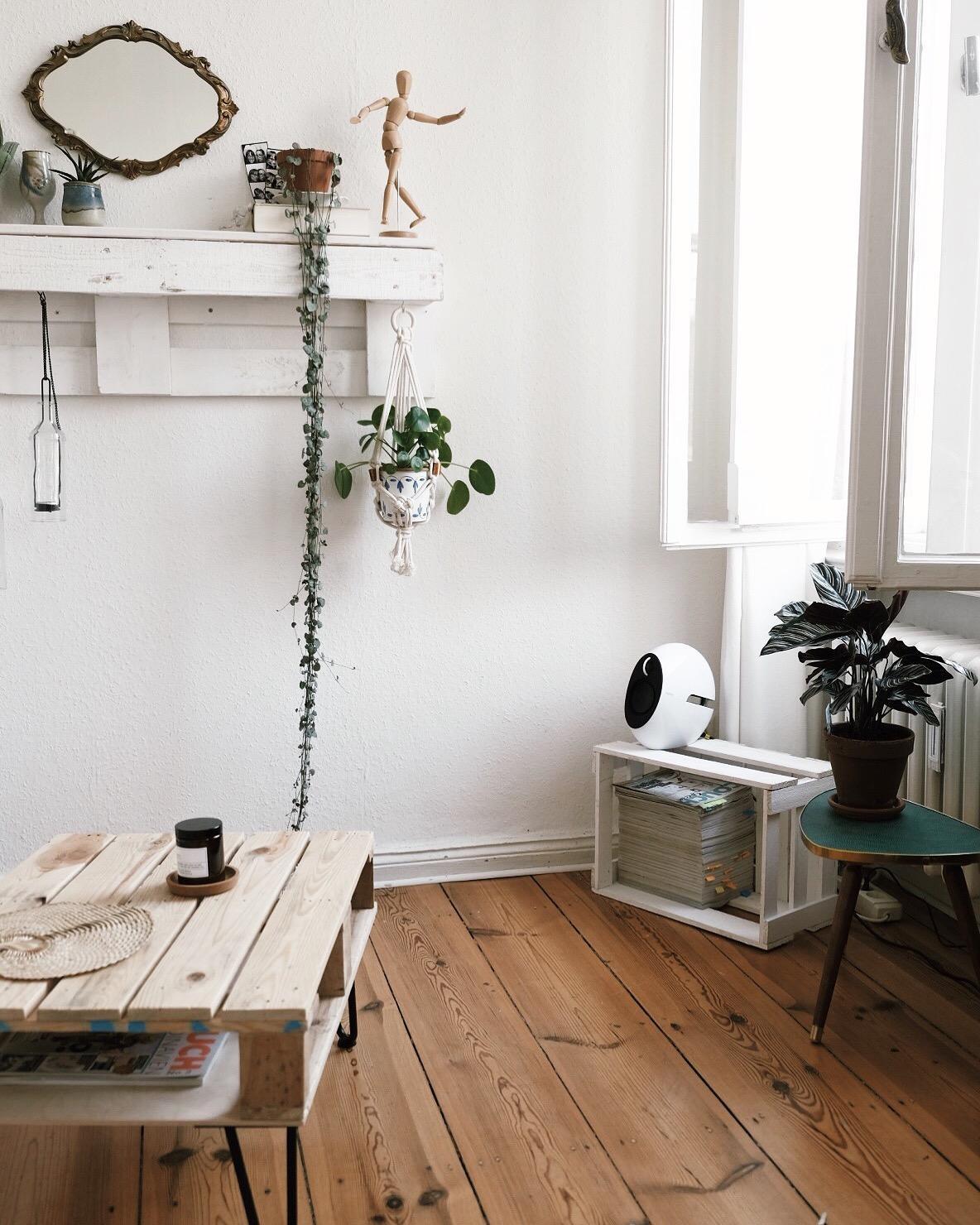 Wohnzimmereinblick Wohnzimmer Diy Couchtisch Alt