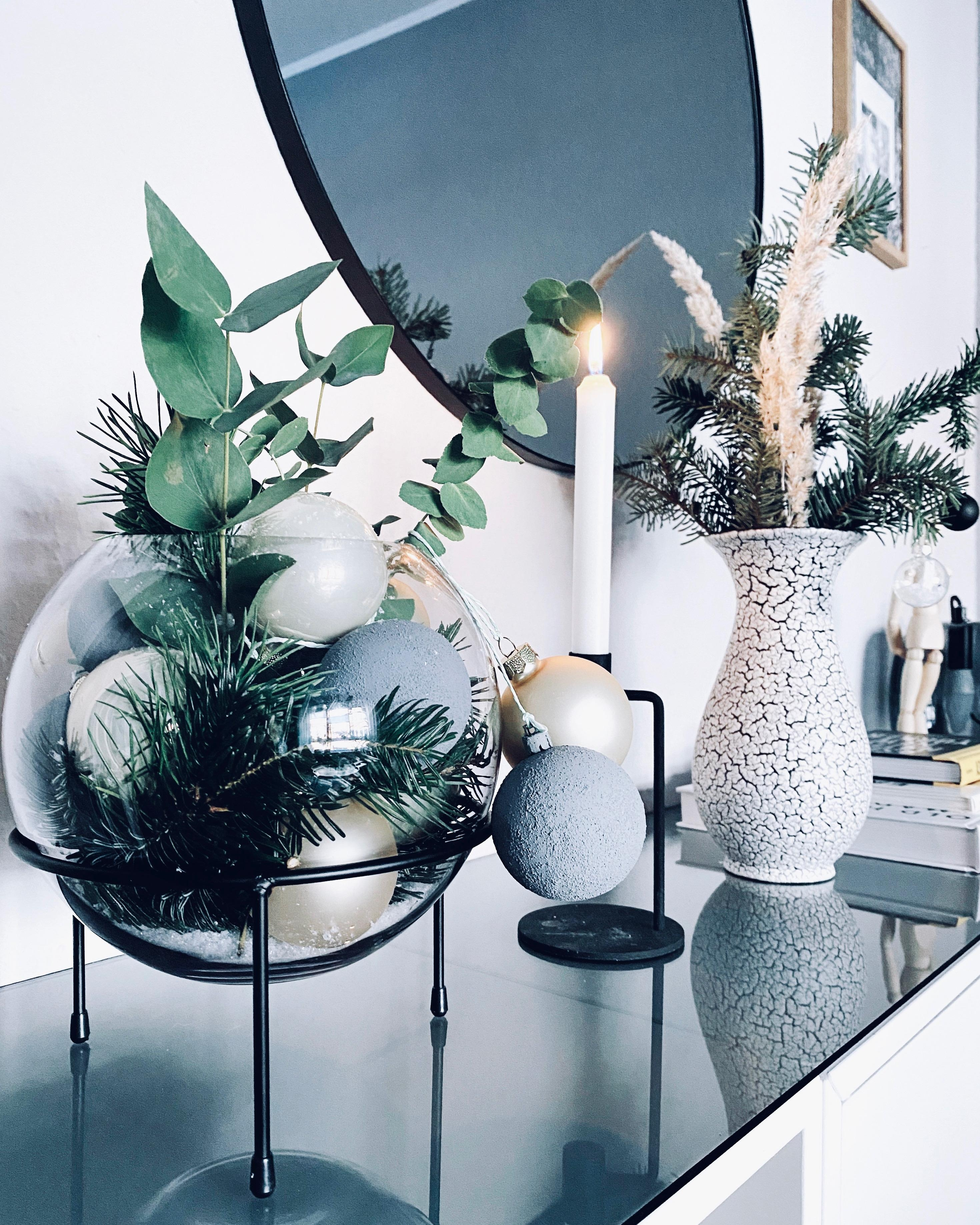 #xmas #xmasdecorations #xmasiscoming #interior #hygge #monochrome #mynordicroom #scandinavianliving